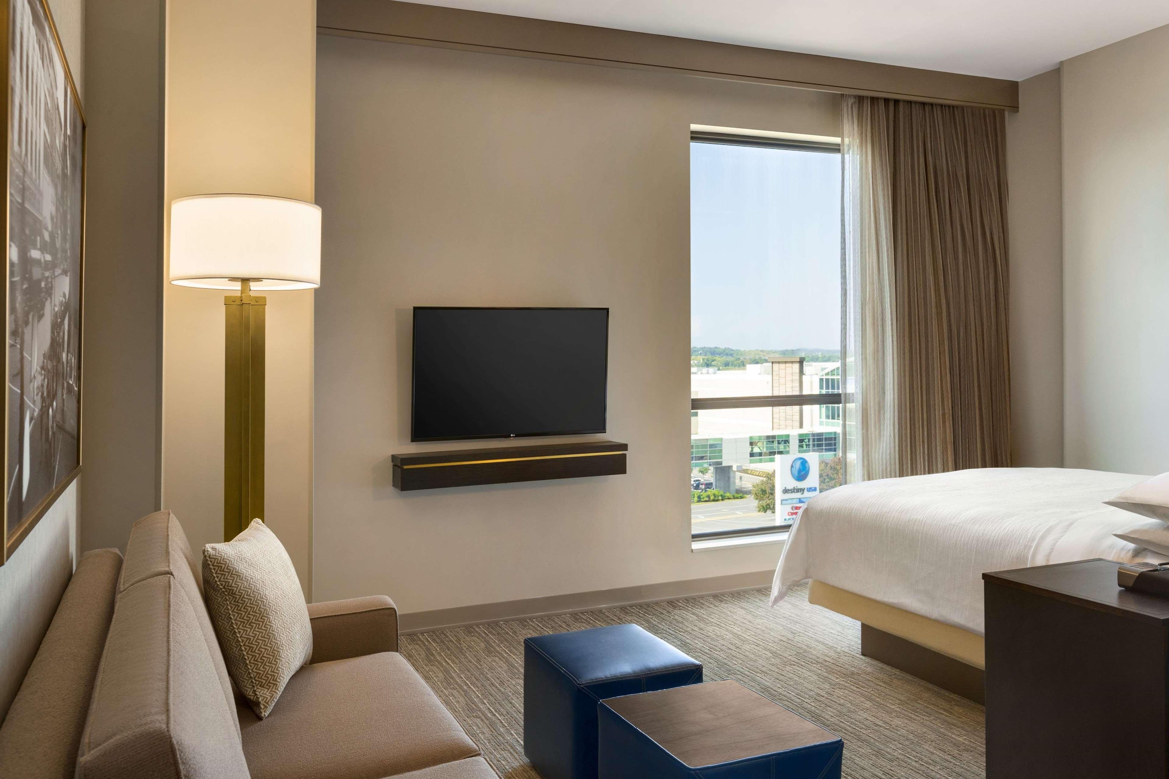 Embassy Suites by Hilton Syracuse Destiny USA image 18