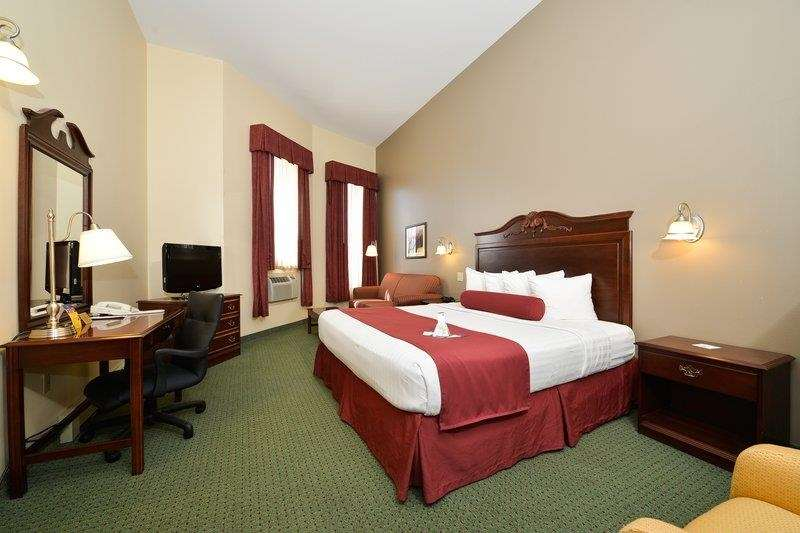 Best Western The Hotel Chequamegon image 9