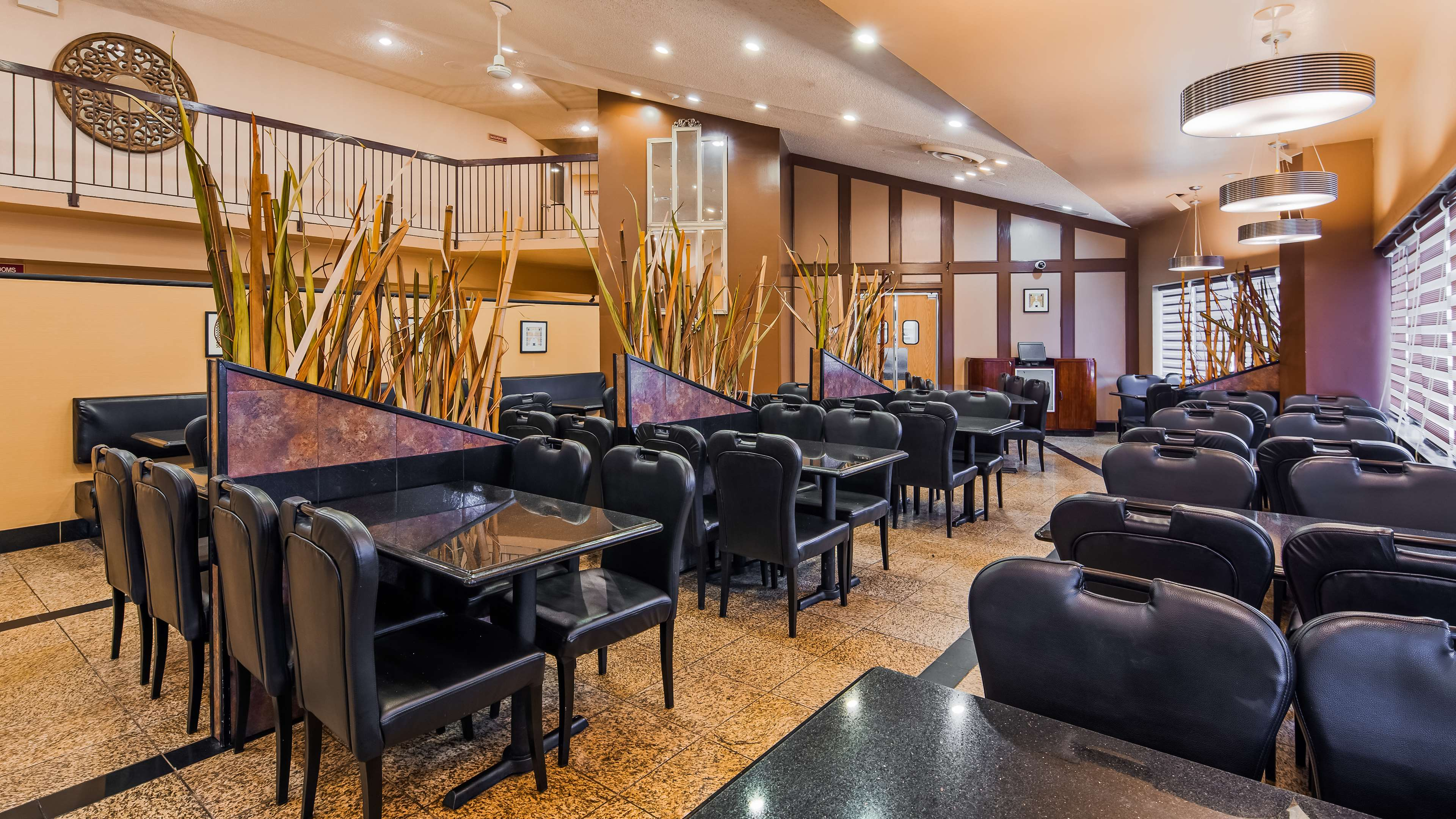Best Western Marquis Inn & Suites in Prince Albert: Breakfast Area