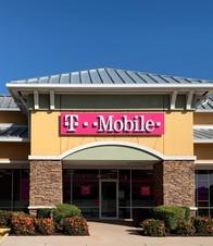 Exterior photo of T-Mobile Store at Peachland Blvd & Veterans Blvd 2, Port Charlotte, FL