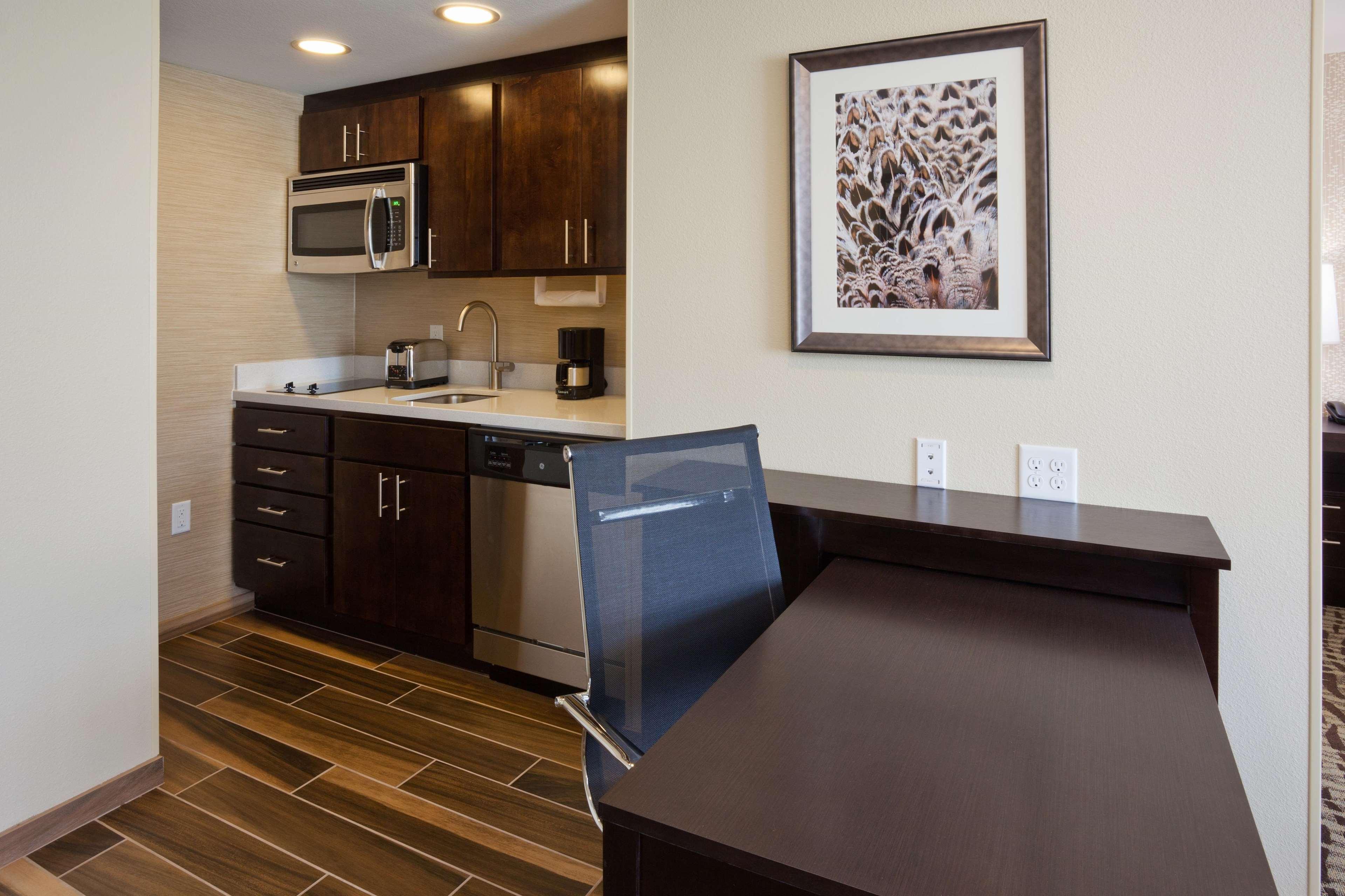 Homewood Suites by Hilton Davenport image 22