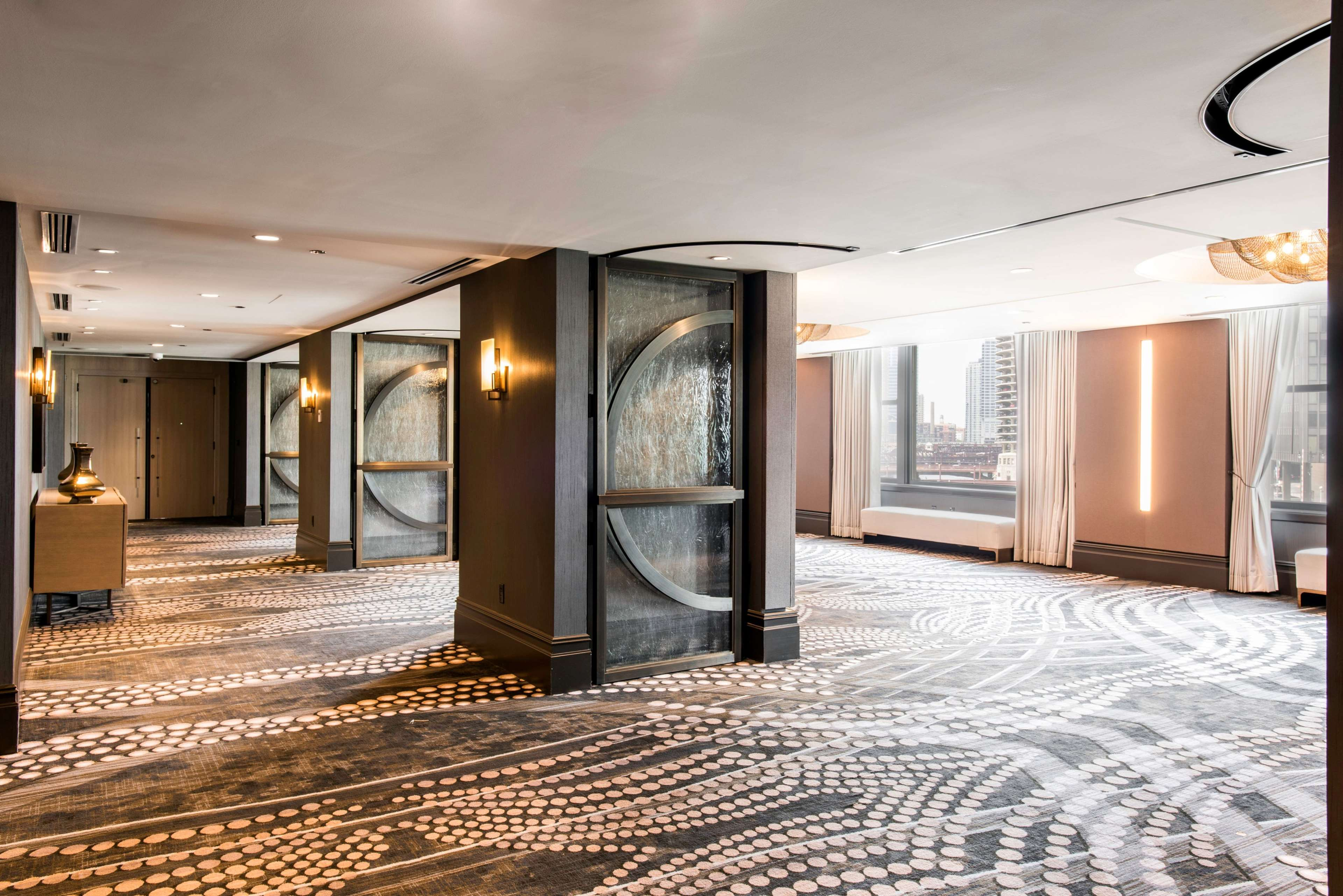 LondonHouse Chicago, Curio Collection by Hilton image 35