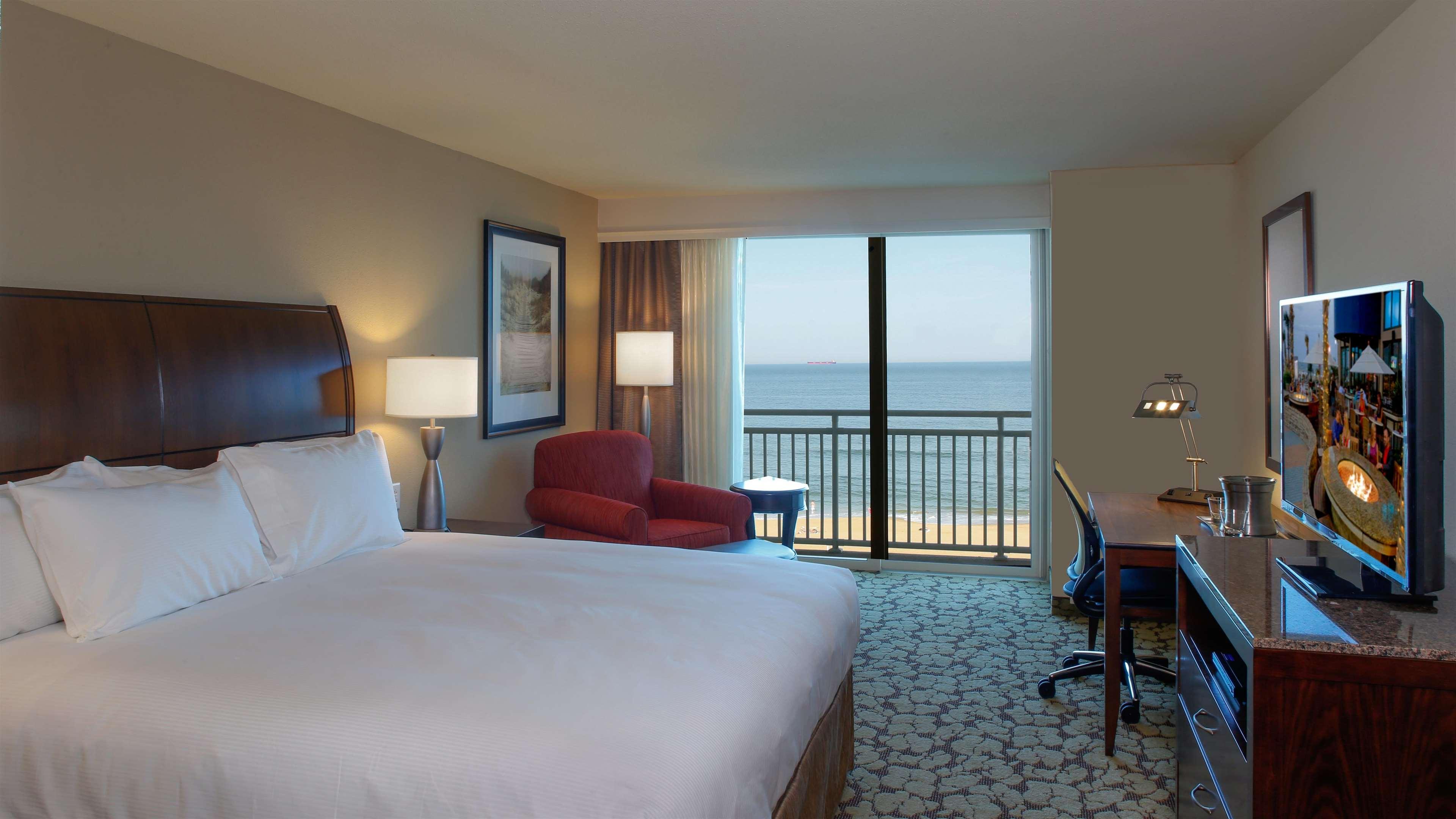 Hilton Garden Inn Virginia Beach Oceanfront image 25