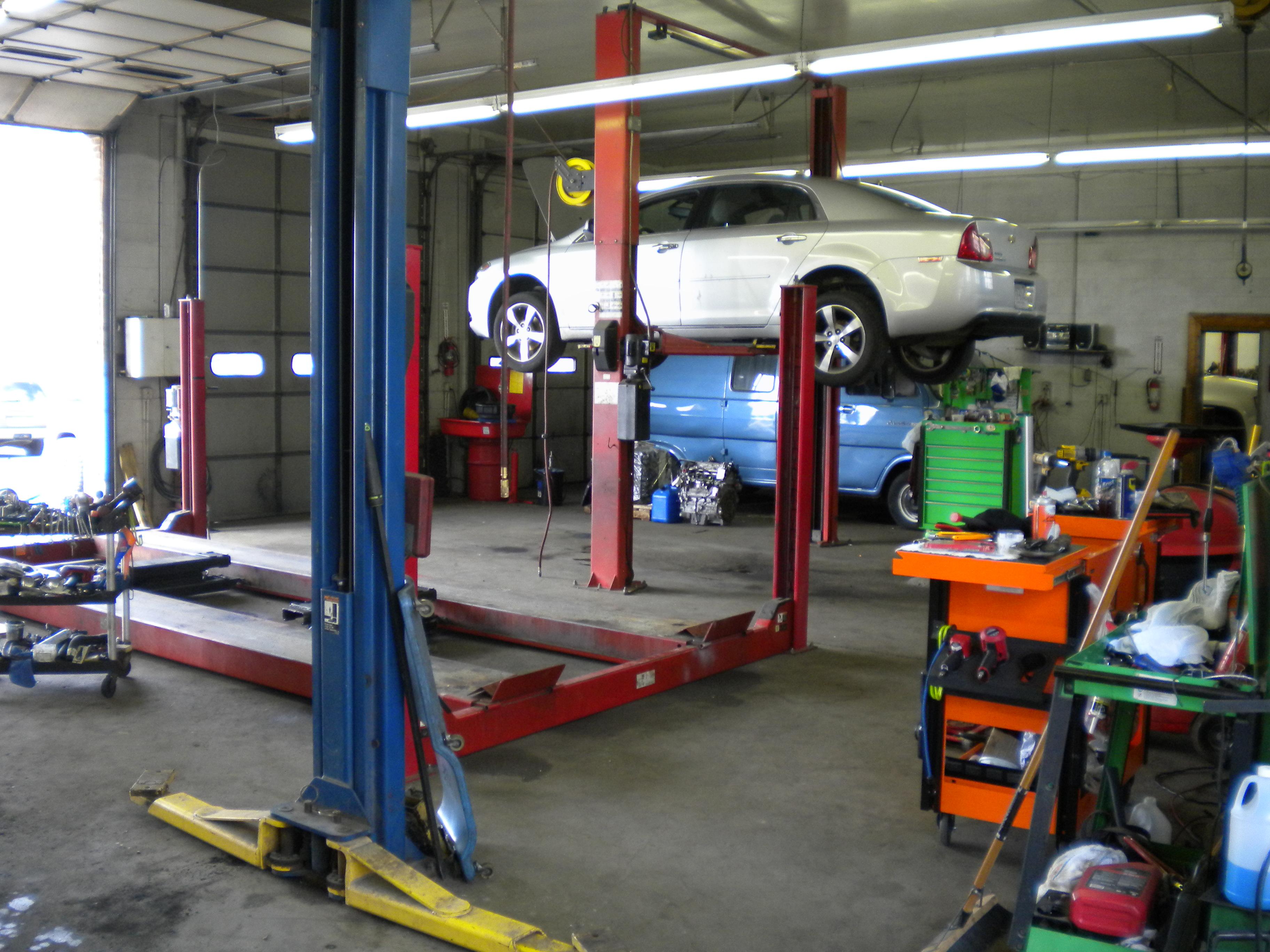 R & M Automotive image 6