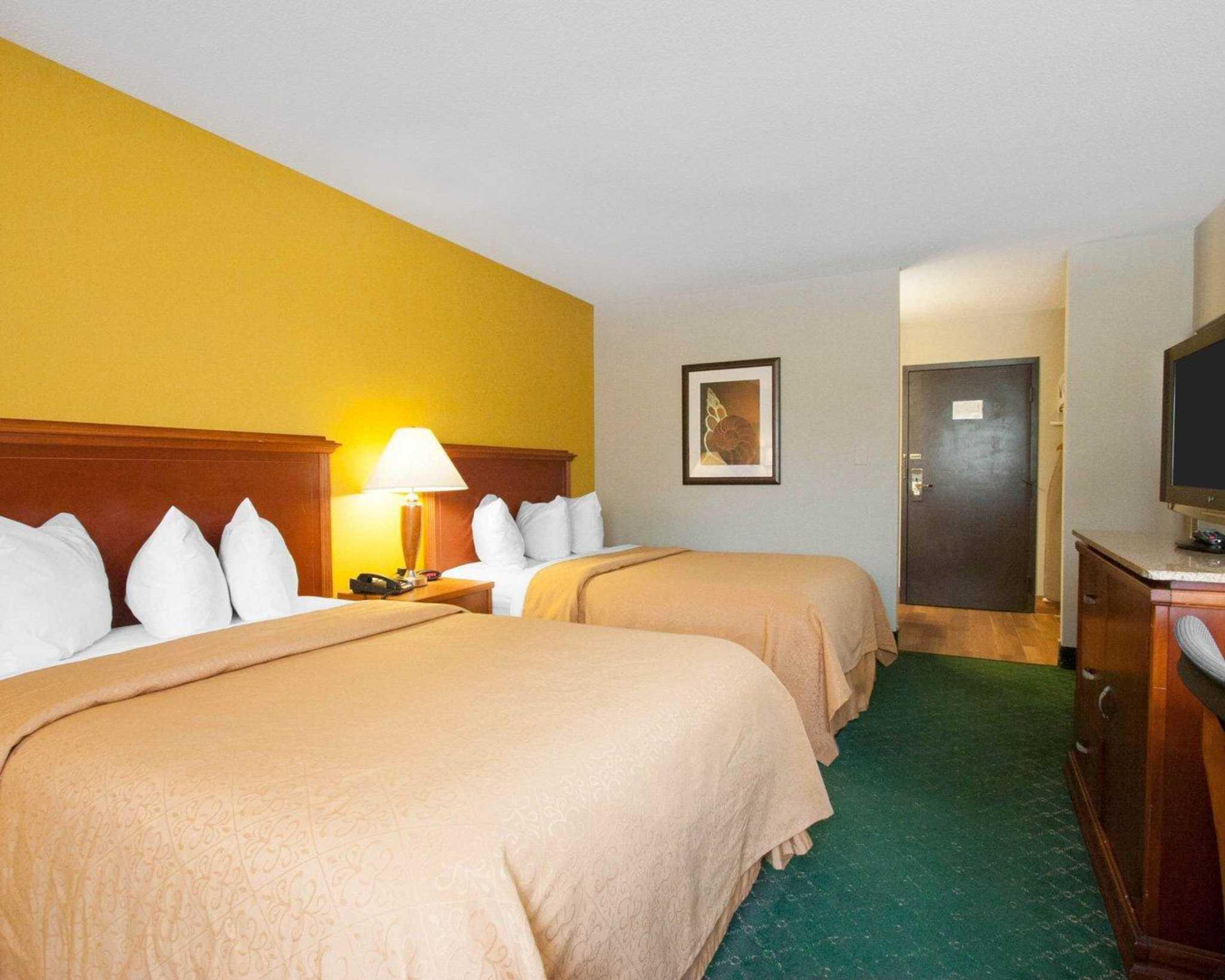 Quality Inn image 27