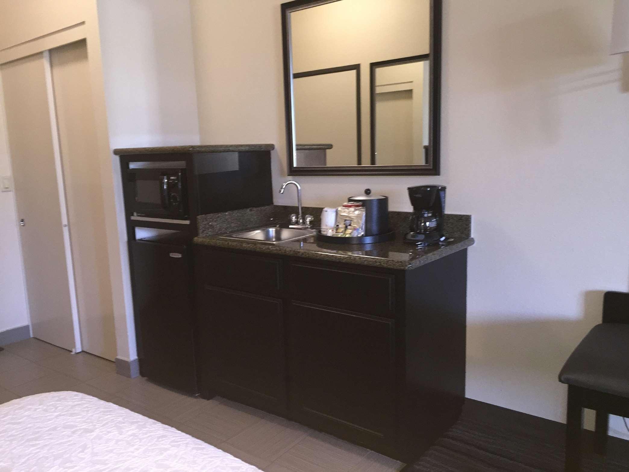 Hampton Inn & Suites Mountain View image 31