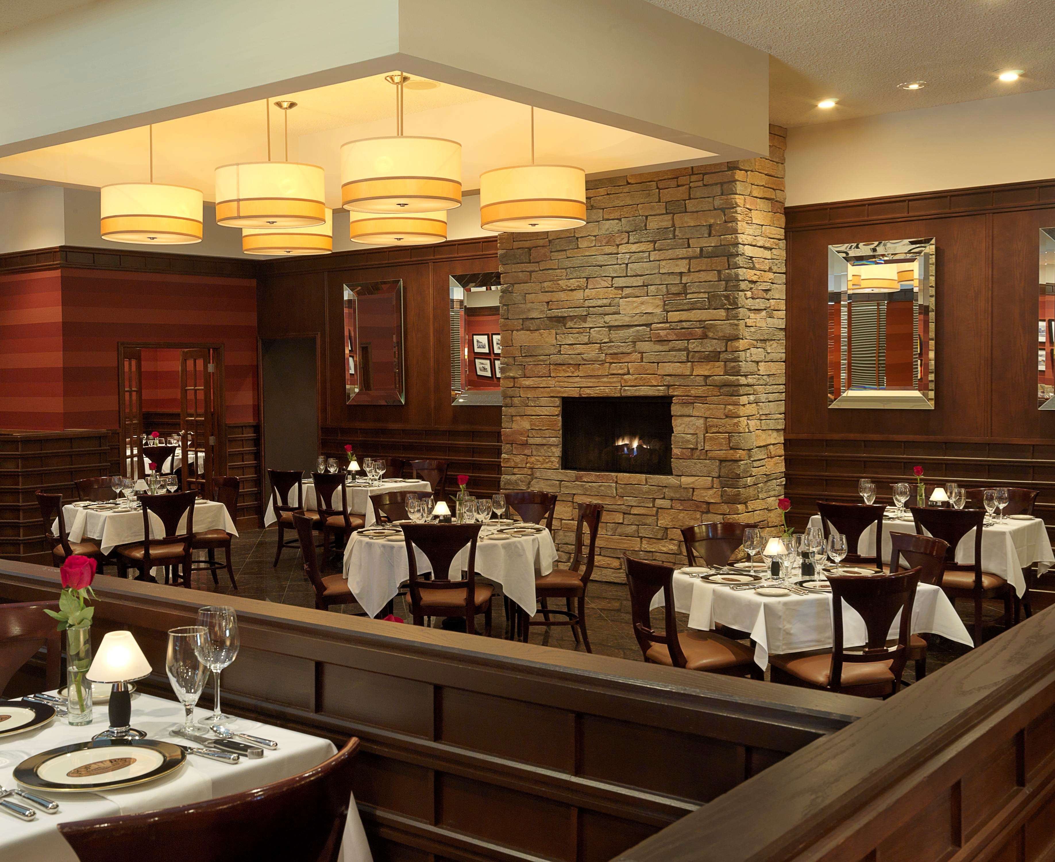 DoubleTree by Hilton Hotel Collinsville - St. Louis image 9
