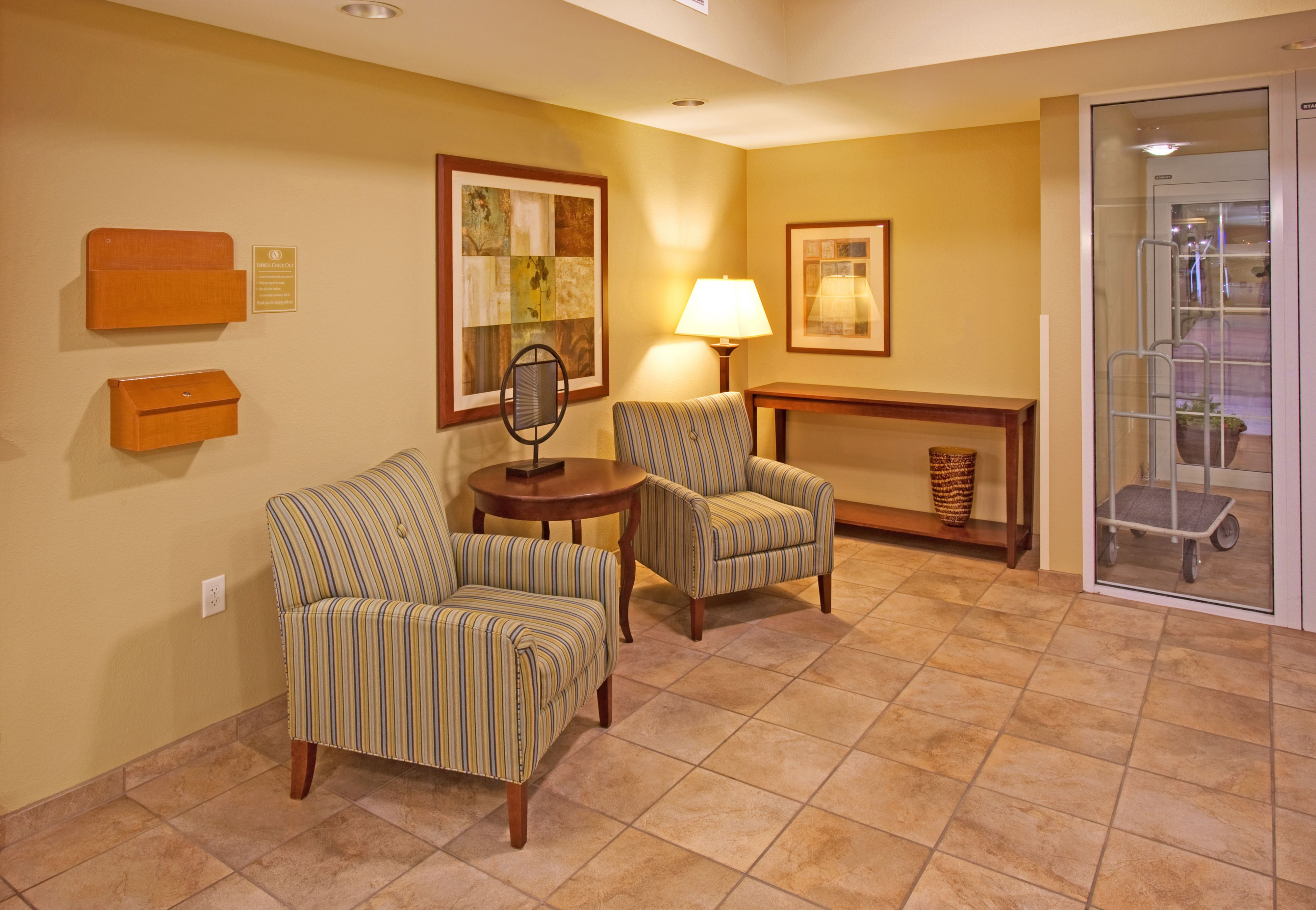 Candlewood Suites Bellevue image 3