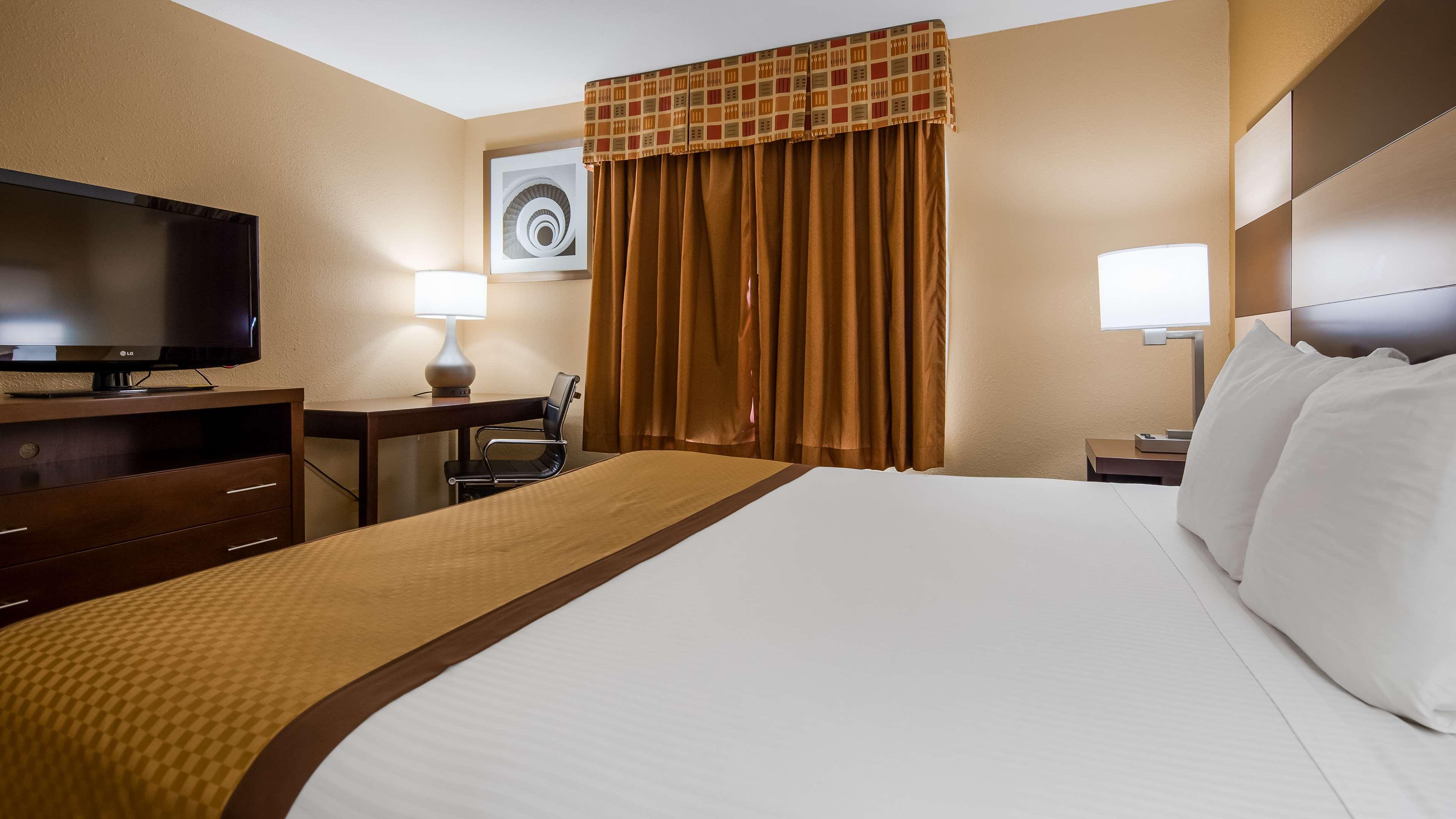Best Western Joliet Inn & Suites image 11