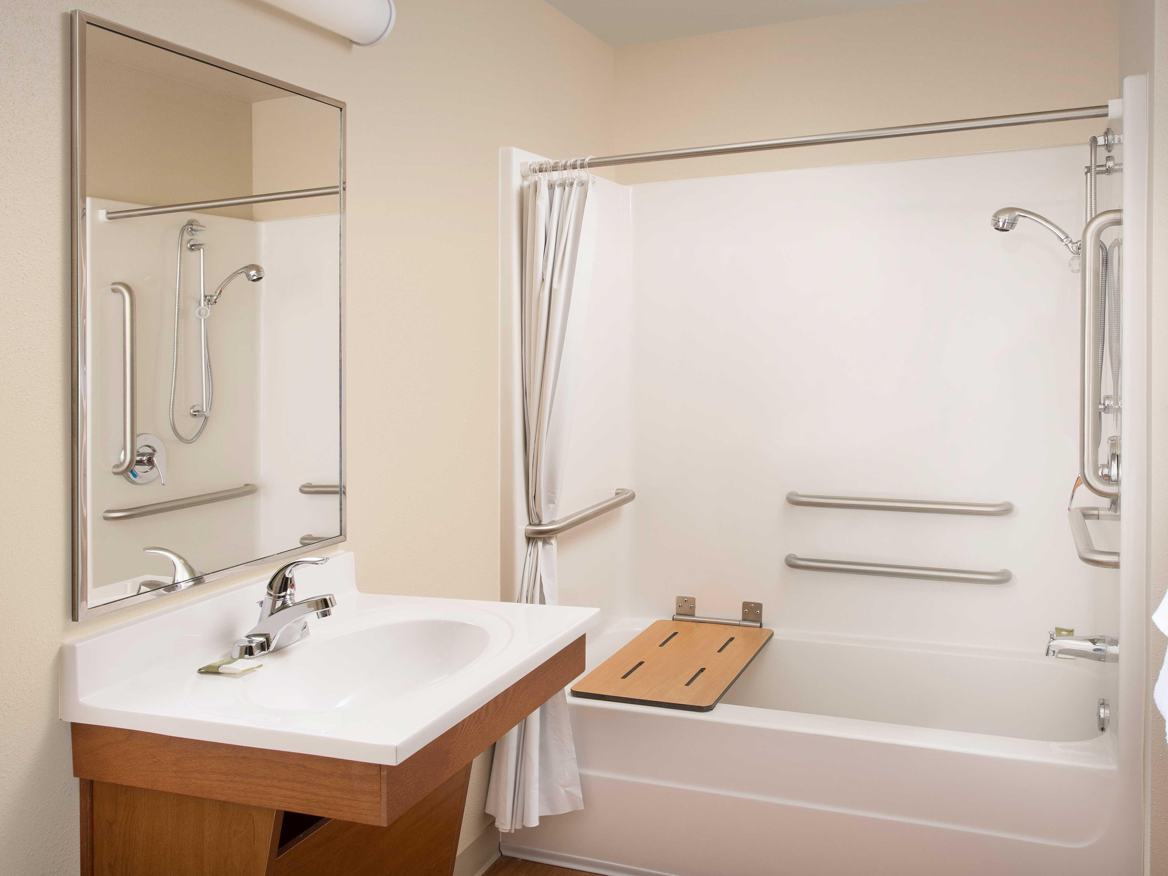 WoodSpring Suites Grand Rapids South image 24