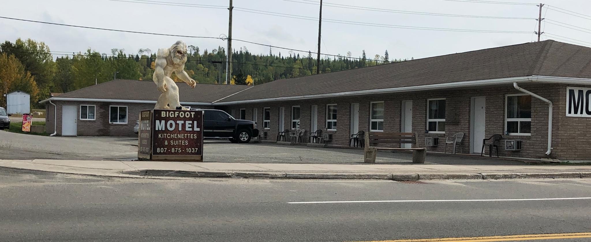 Bigfoot Motel Kitchenette & Suites