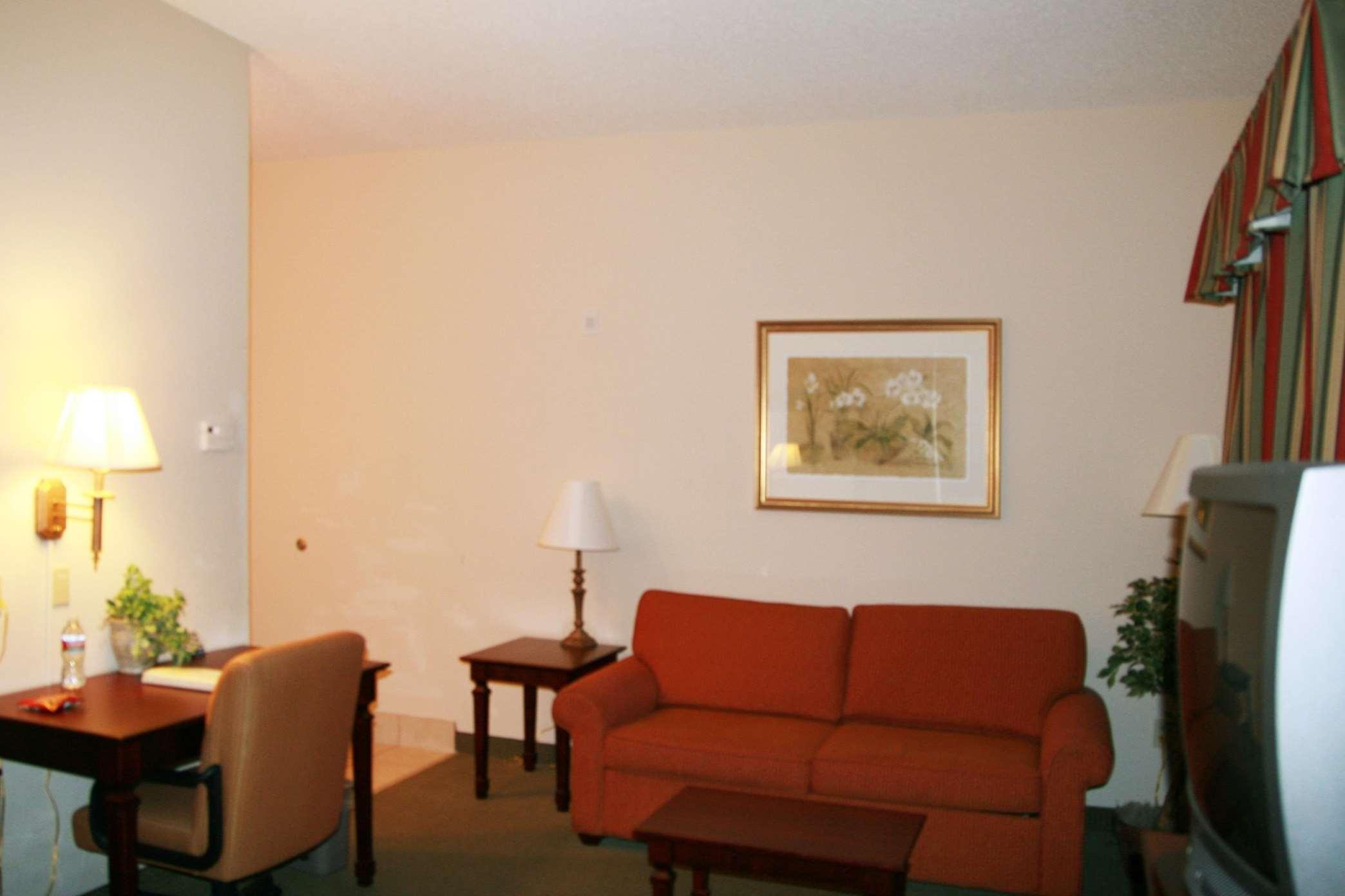 Hampton Inn & Suites Lafayette image 14