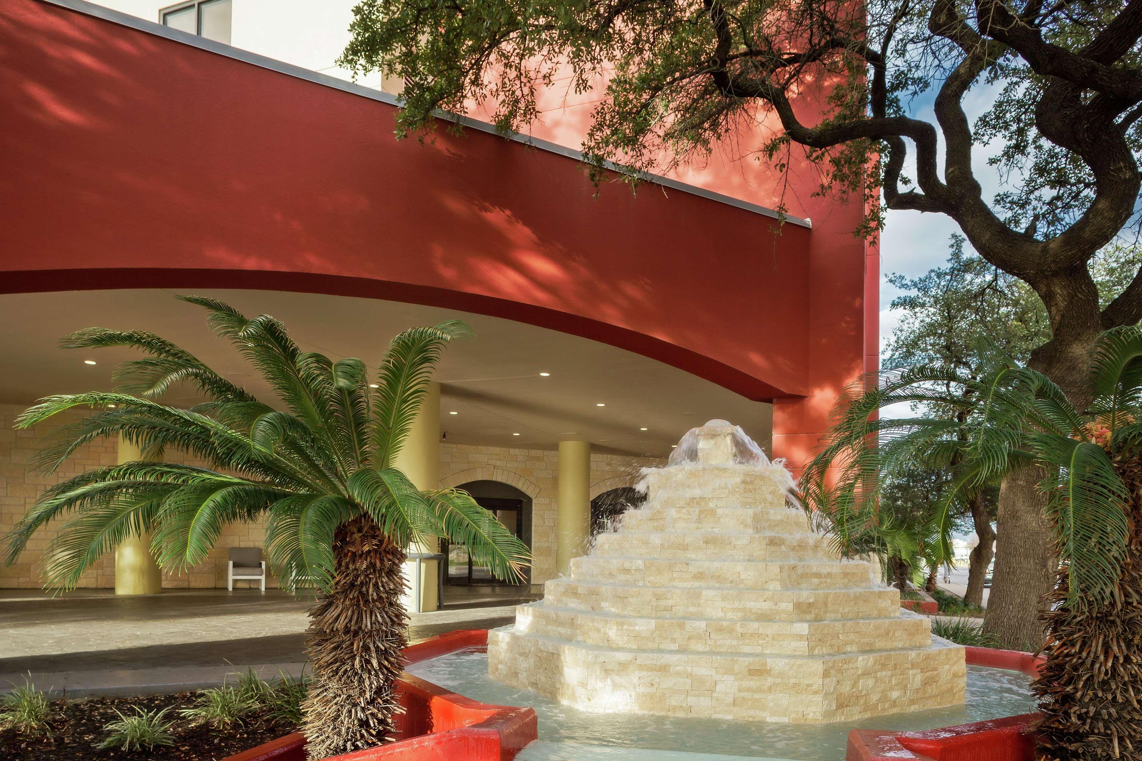 DoubleTree by Hilton Hotel San Antonio Downtown