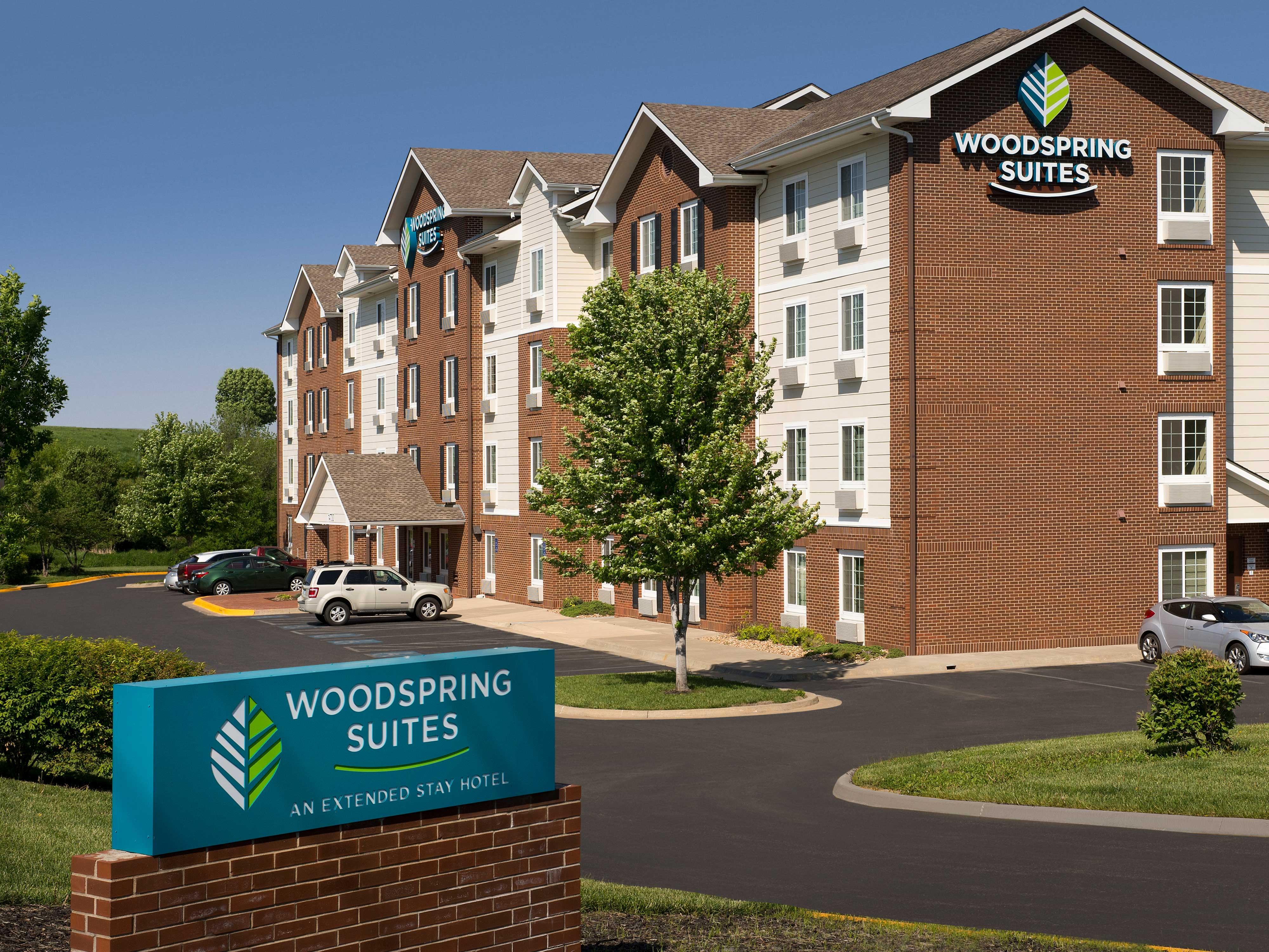 WoodSpring Suites Kansas City Lenexa image 13