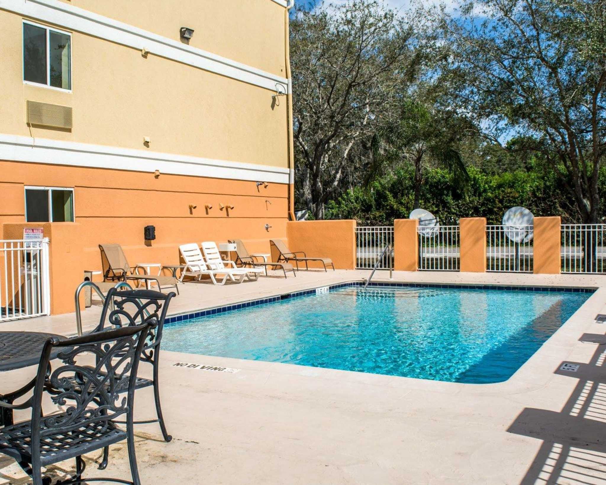 Comfort Inn Fort Myers Northeast image 13