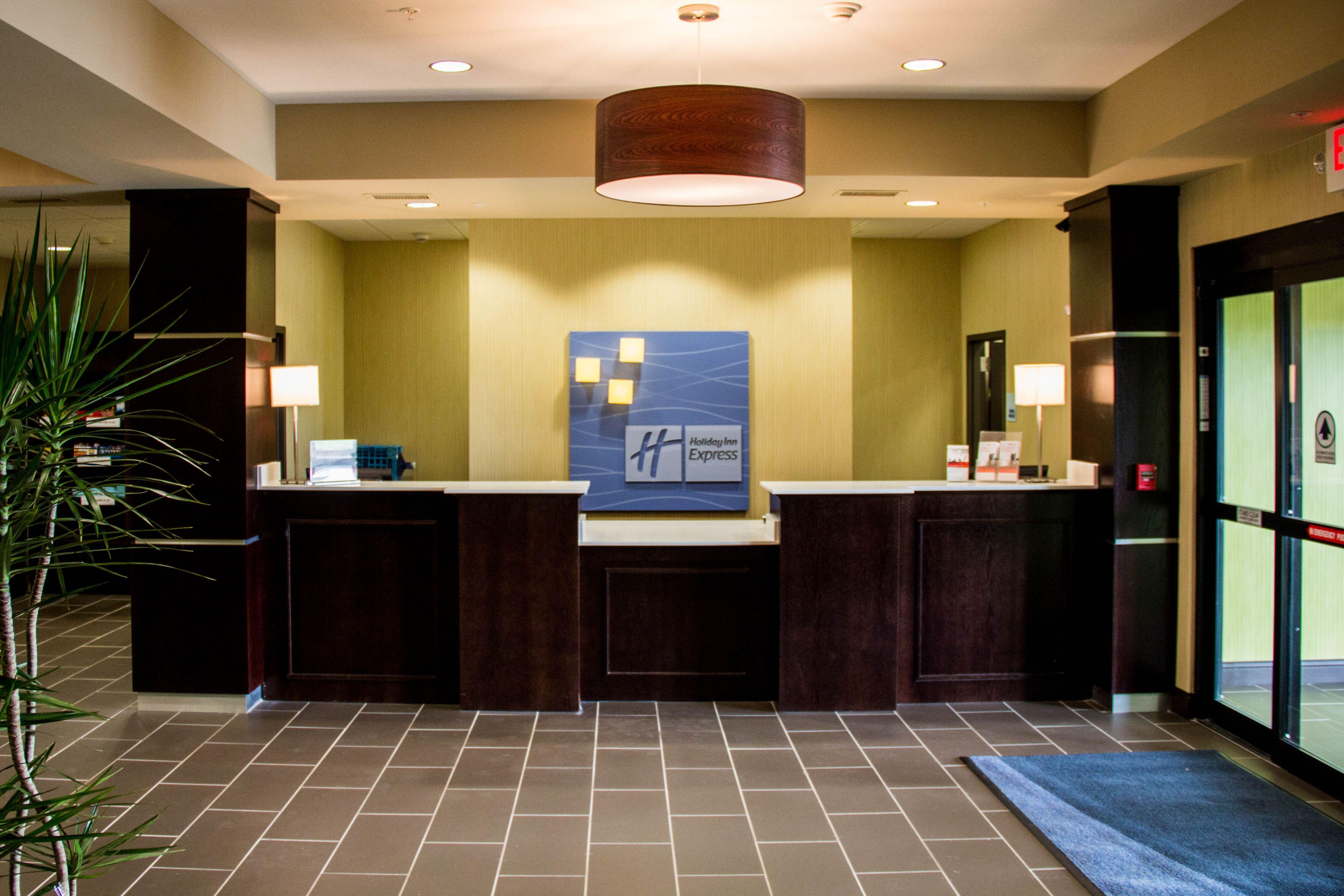Holiday Inn Express & Suites Sikeston image 5