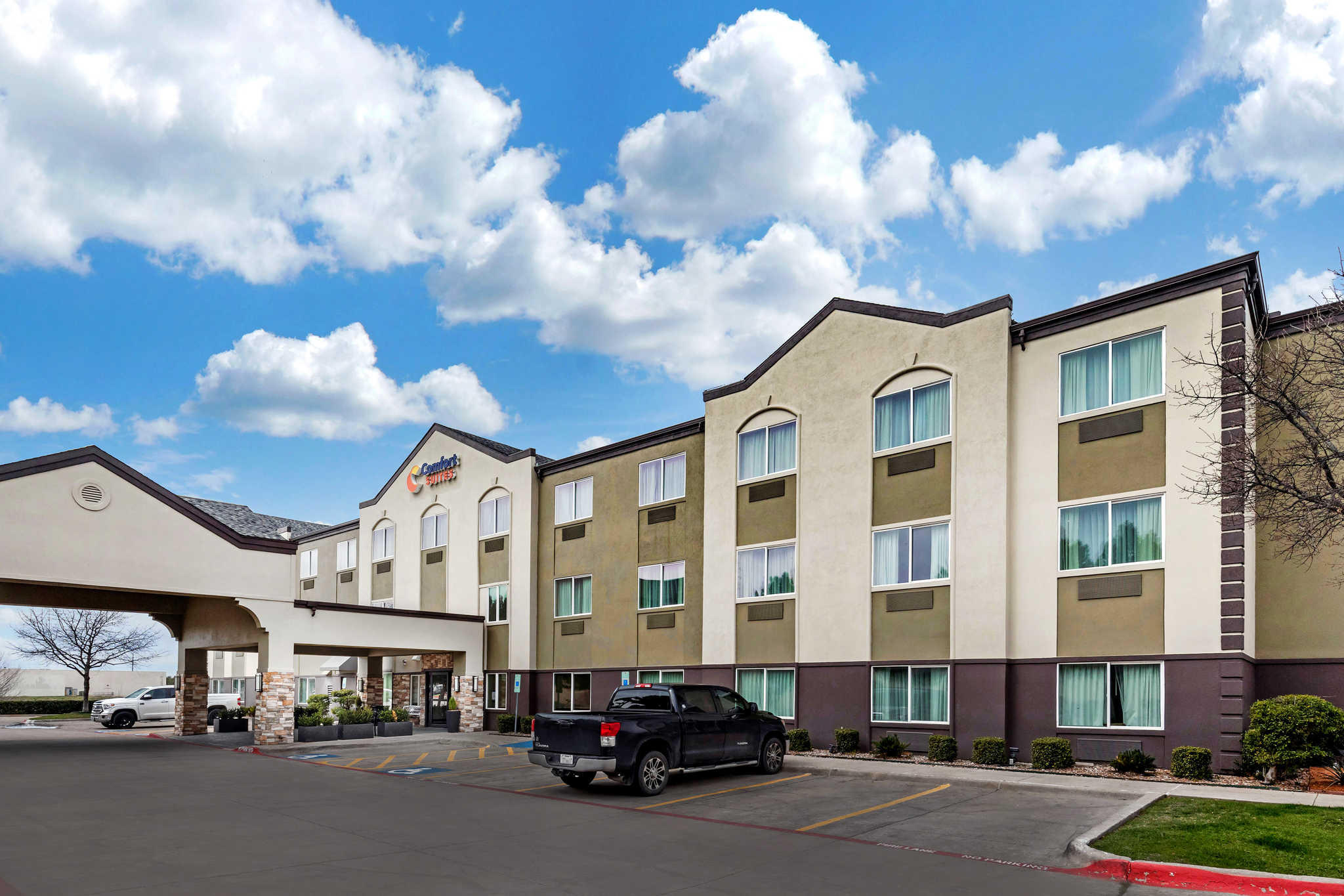 Comfort Suites The Colony - Plano West image 0