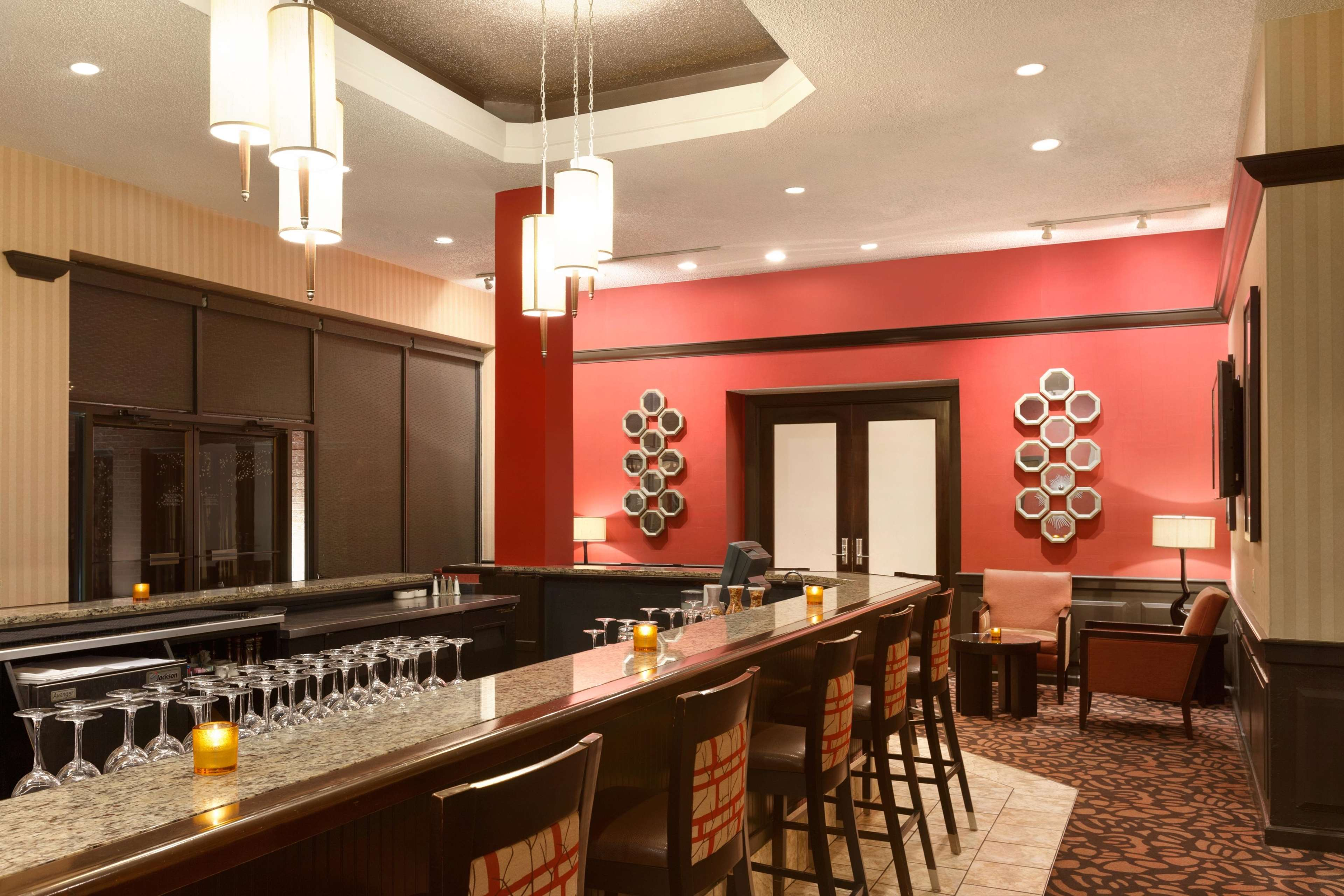 DoubleTree by Hilton Boston - Andover image 4