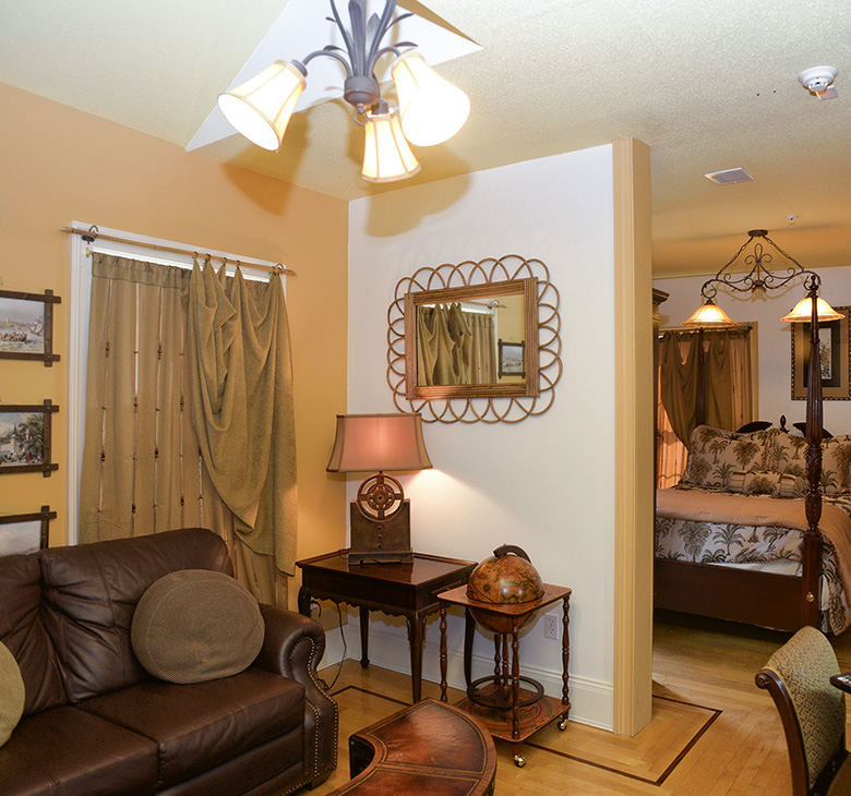 Naomi's Inn Bed and Breakfast image 1