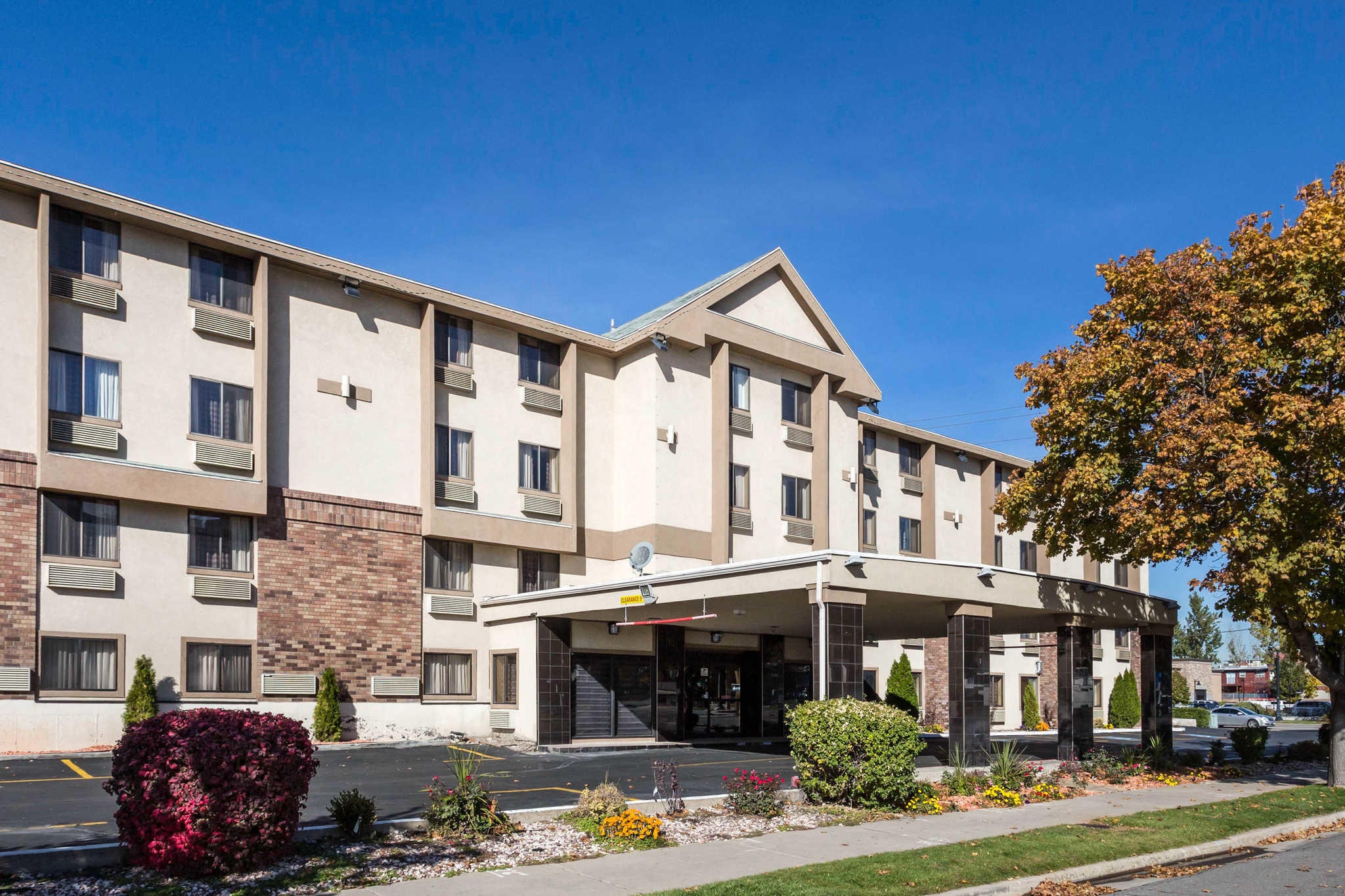 Quality Inn Downtown At 616 S 200 West Salt Lake City Ut On Fave