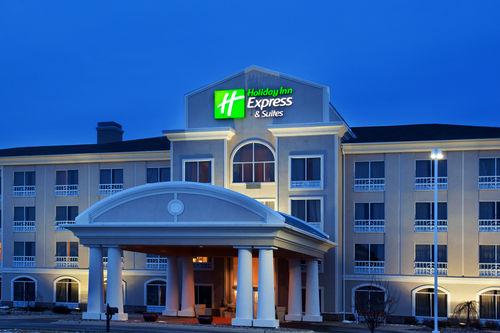 Holiday Inn Express & Suites Rockford-Loves Park image 2