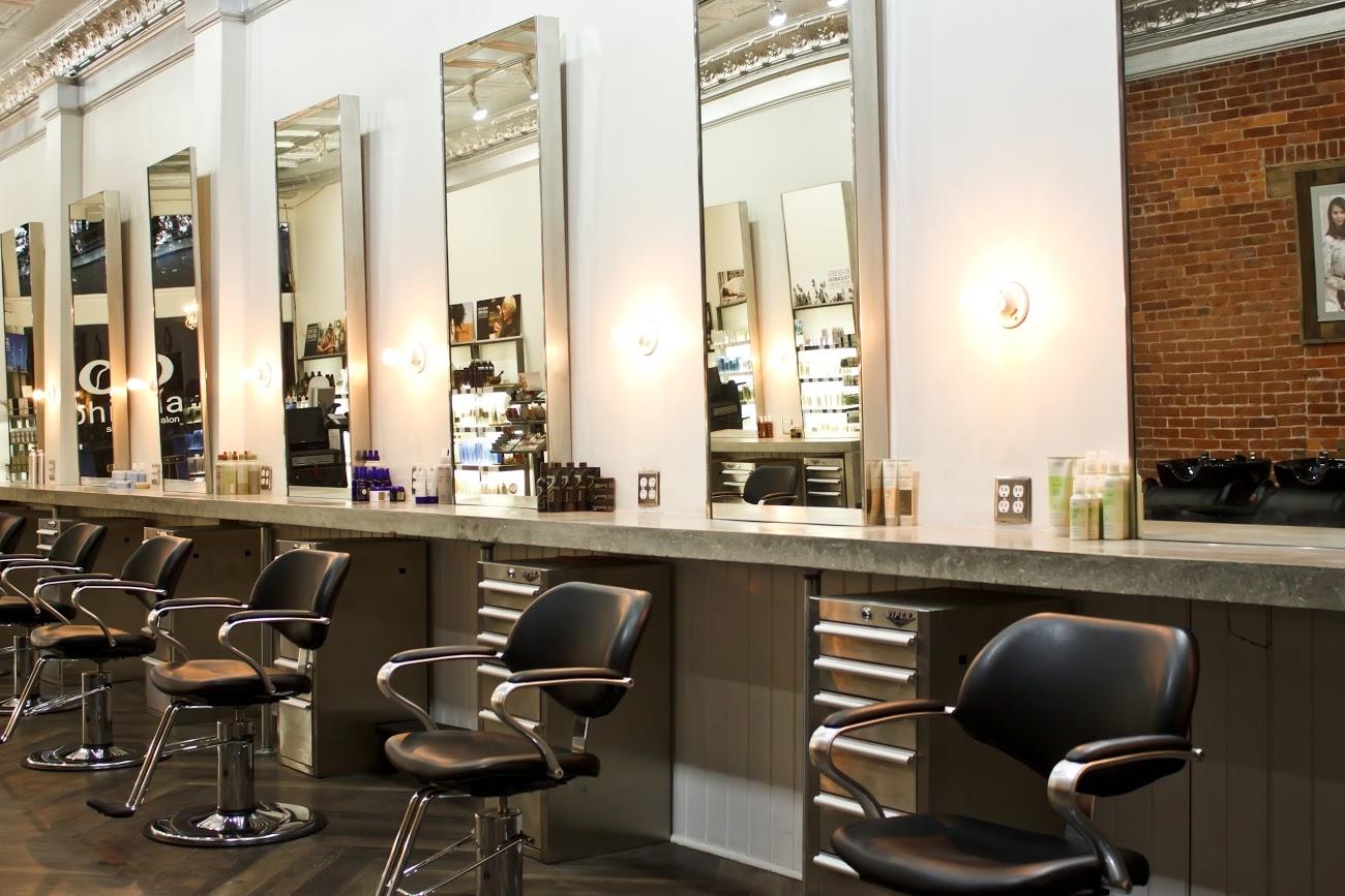 Phia Salon