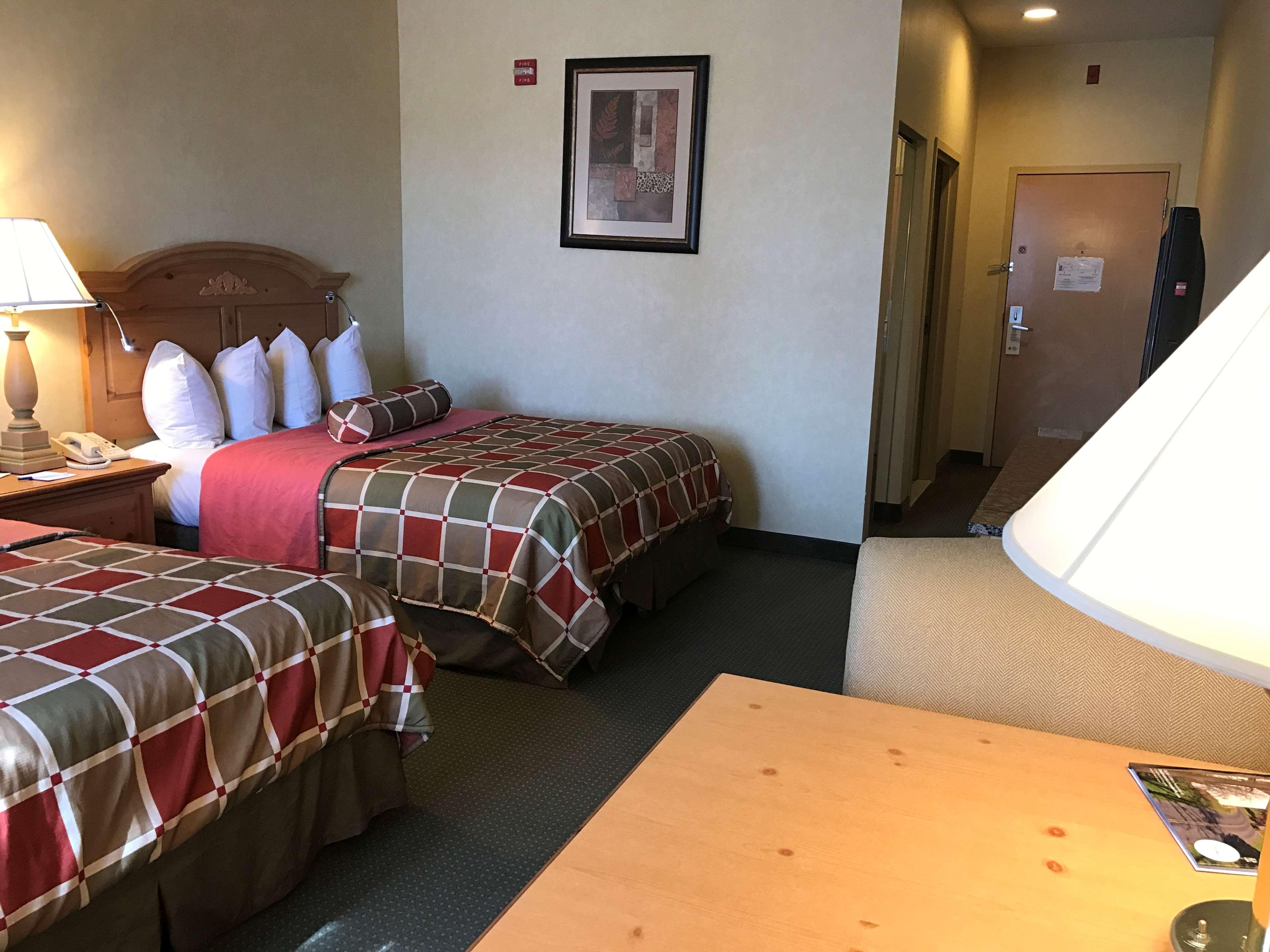 Best Western Plus Revere Inn & Suites image 19