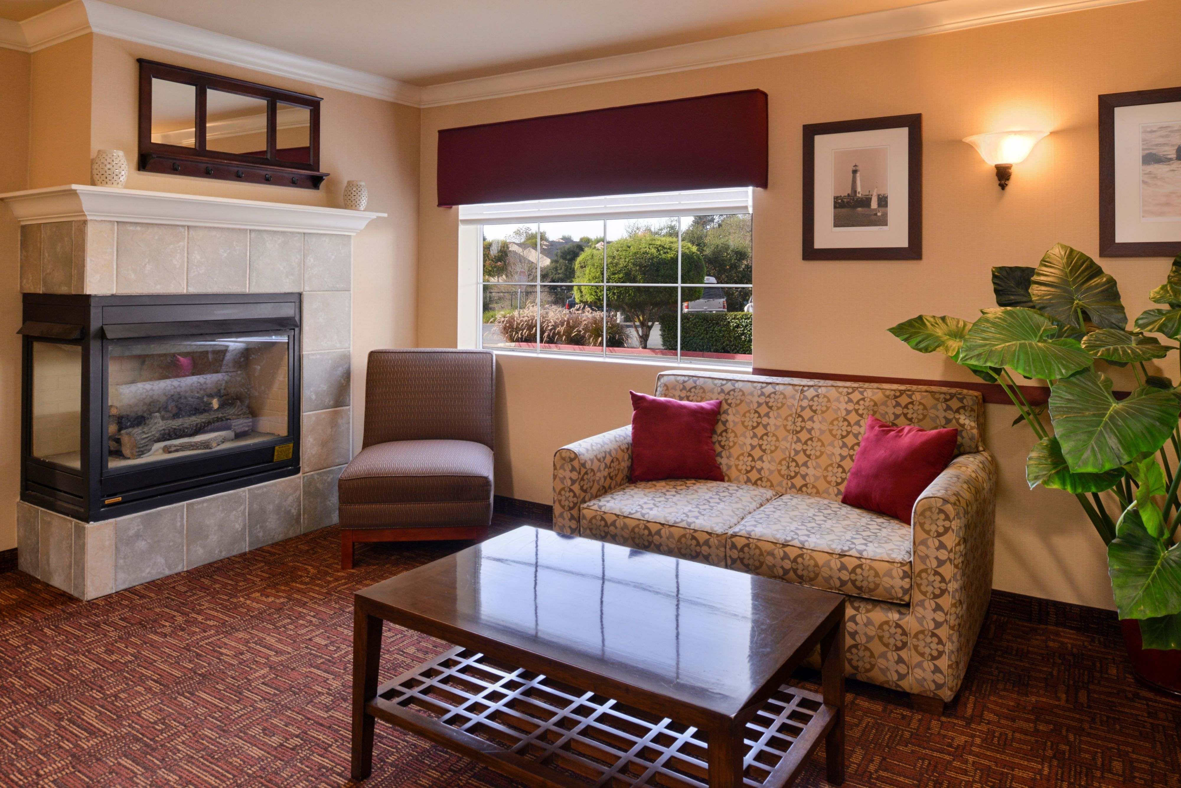 Holiday Inn Express & Suites Watsonville image 5