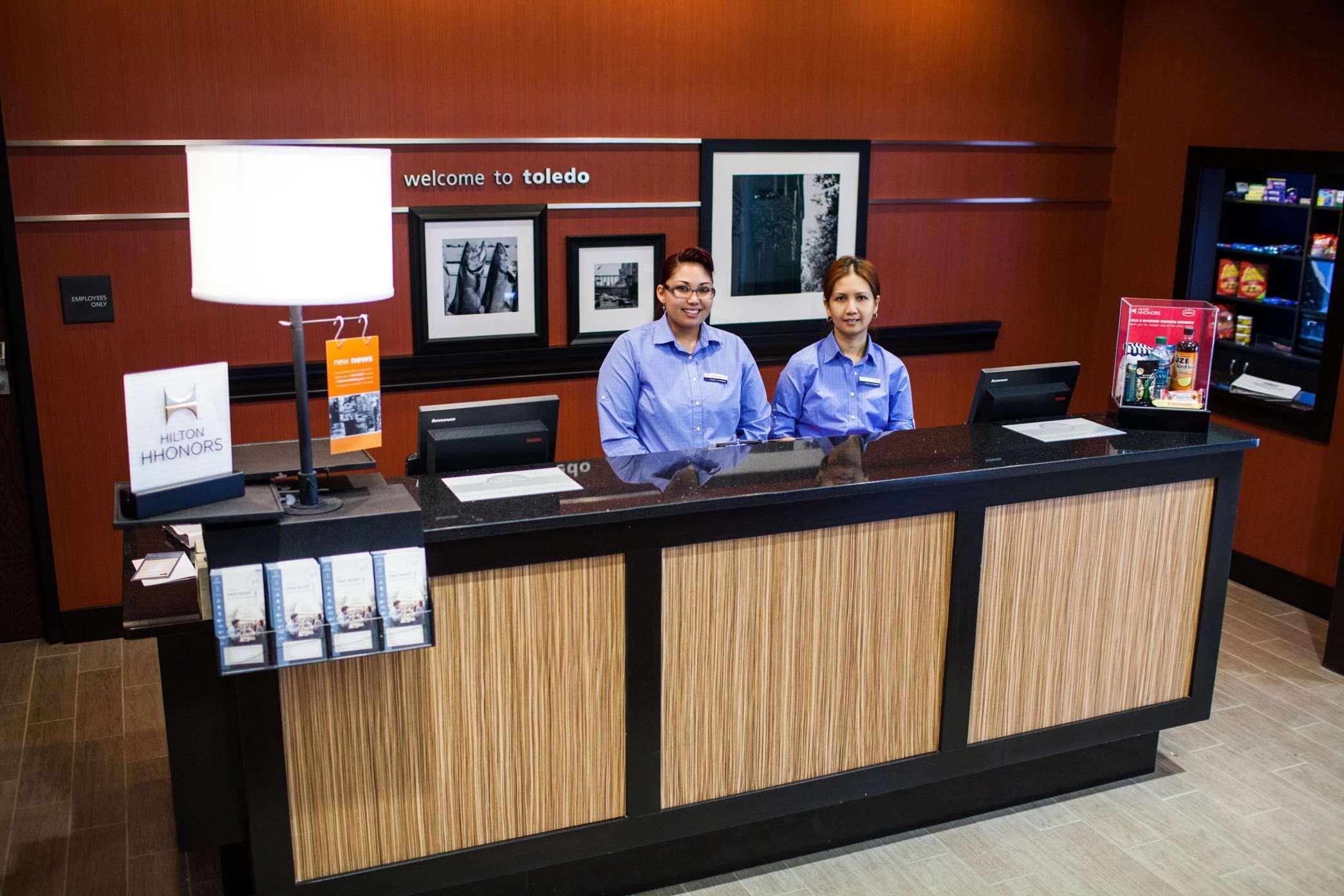 Hampton Inn & Suites Toledo/Westgate image 3