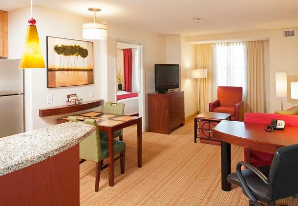Residence Inn by Marriott Moline Quad Cities image 9