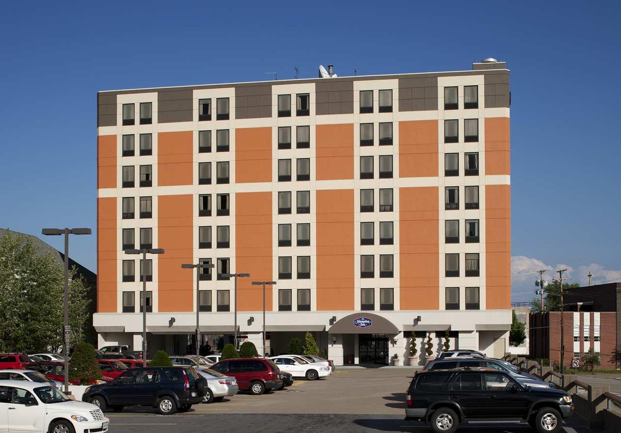 Hampton Inn Pittsburgh University Medical Center At 3315 Hamlet St Pittsburgh Pa On Fave