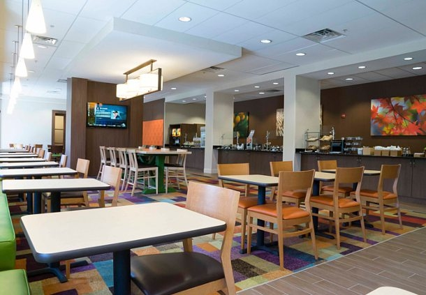 Fairfield Inn & Suites by Marriott Orlando International Drive/Convention Center image 9