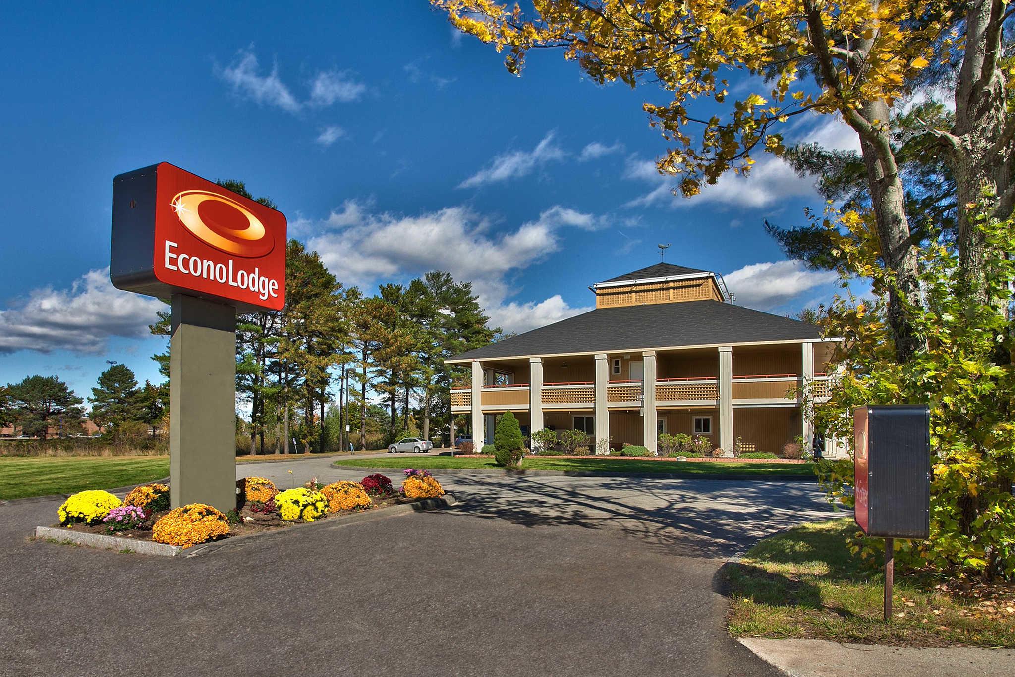 Econo Lodge Maine Mall image 0