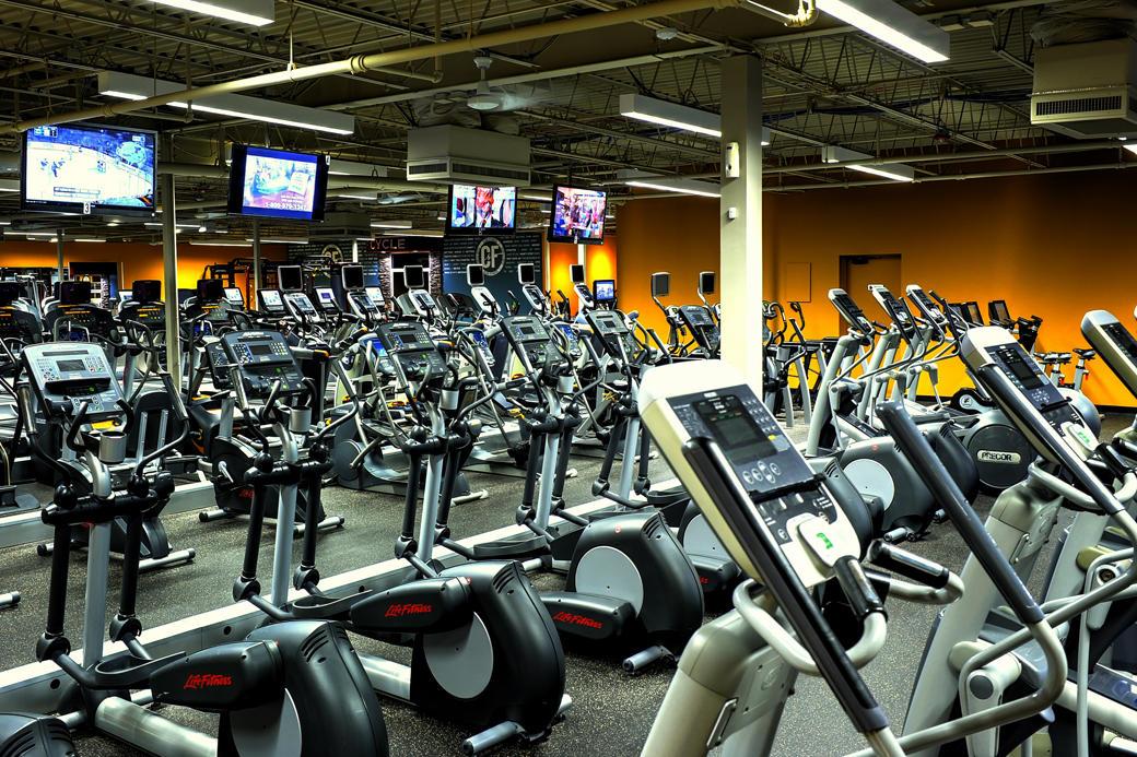 Club Fitness image 5