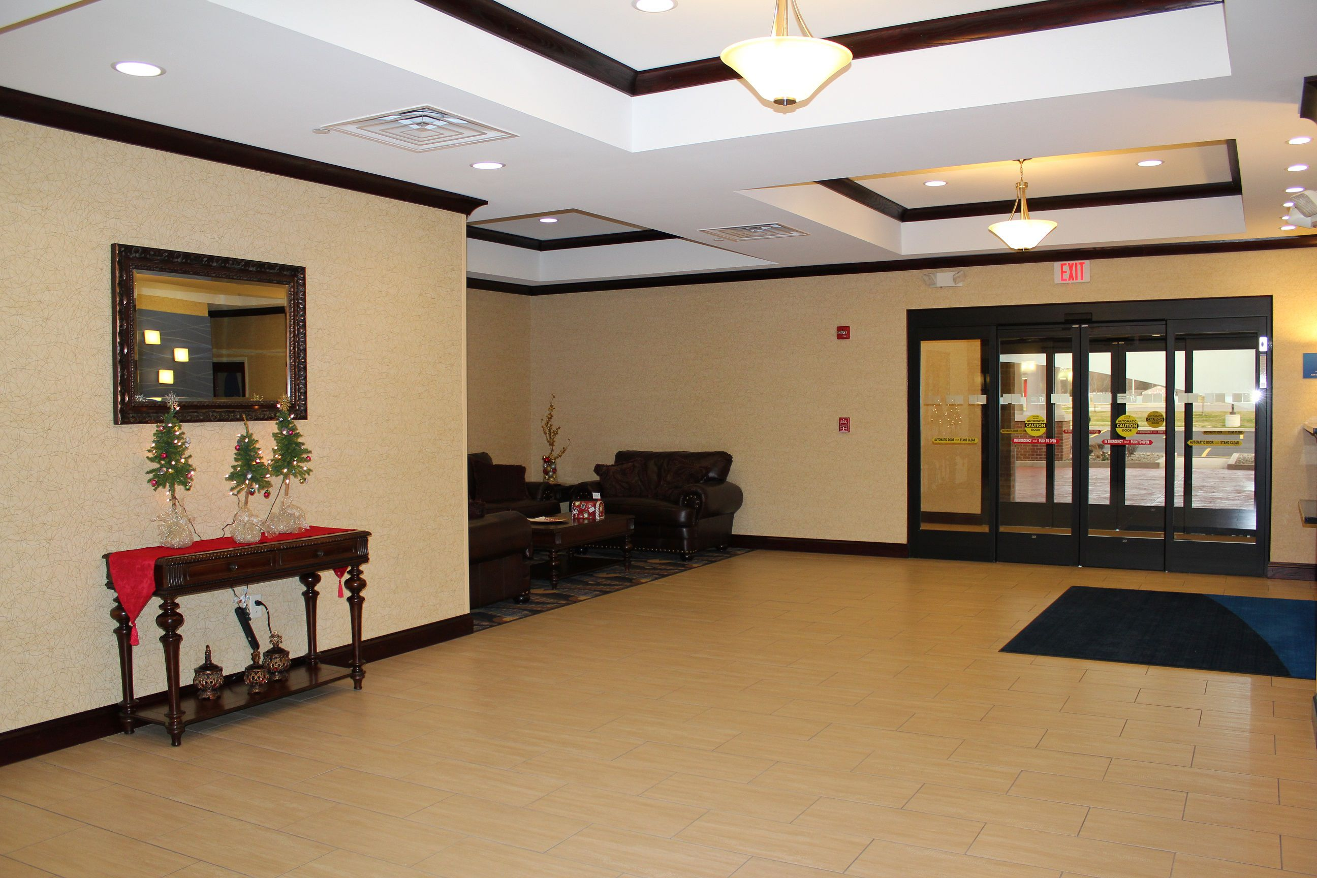 Holiday Inn Express & Suites Niles image 3