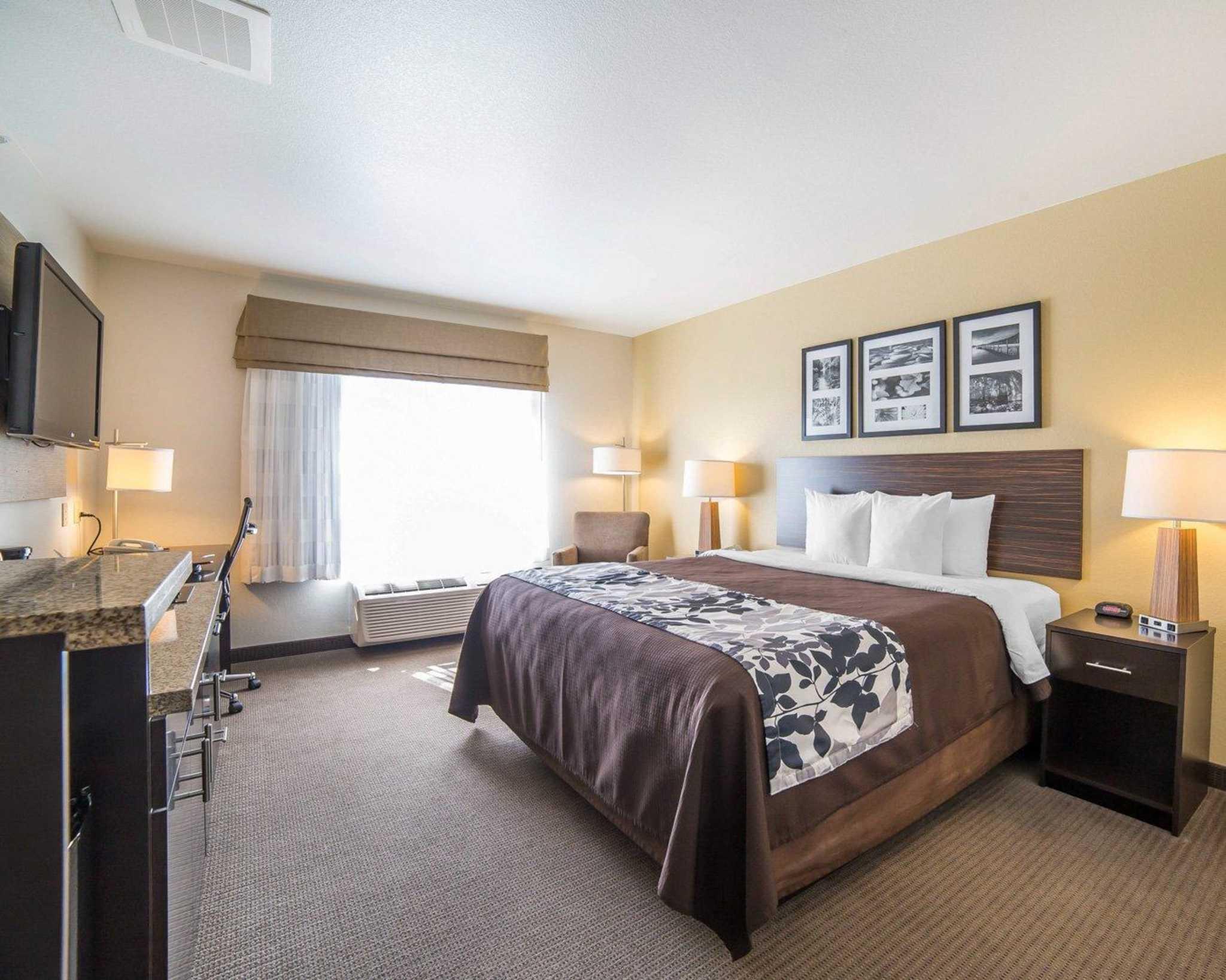 Sleep Inn & Suites image 41