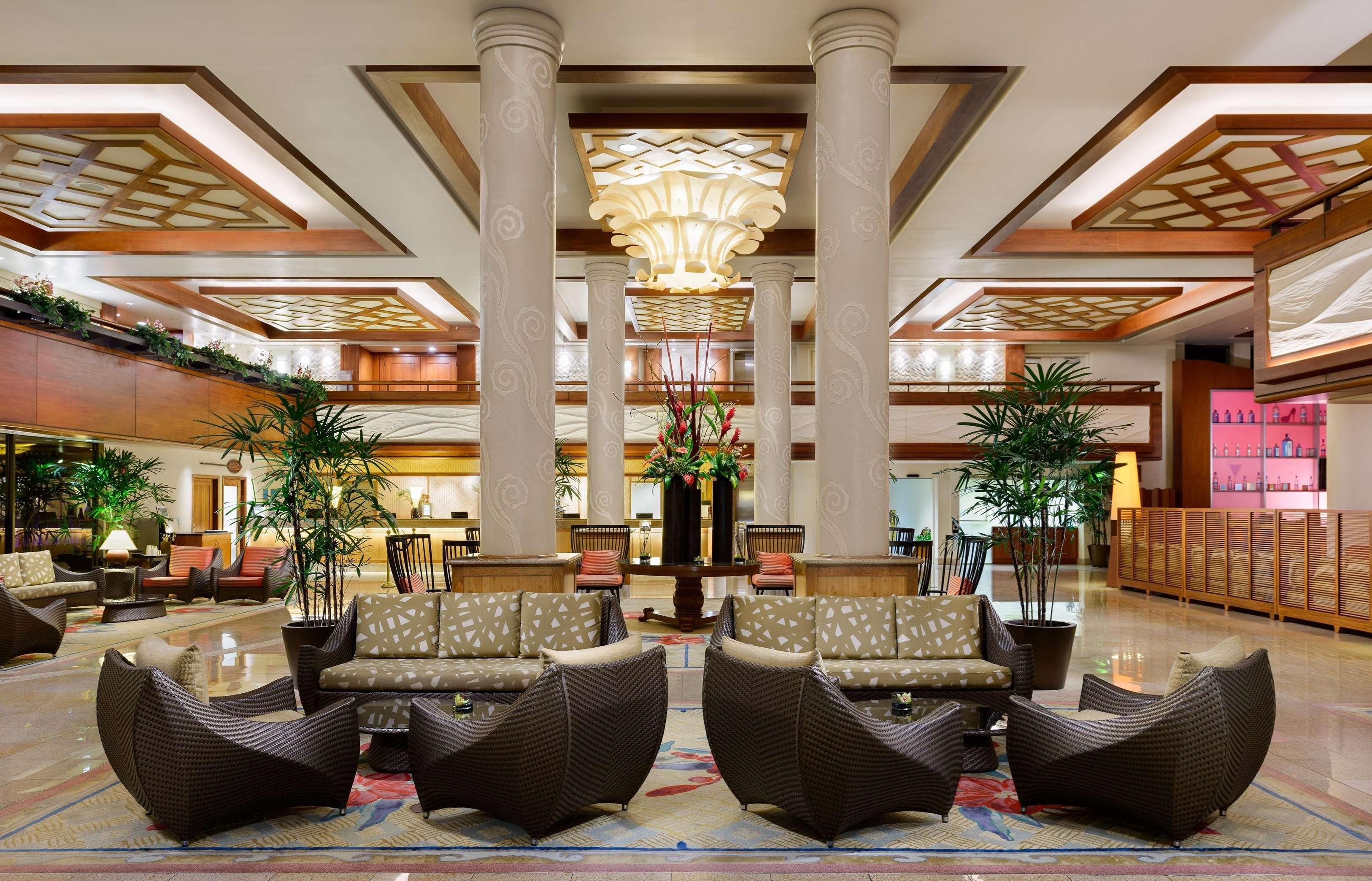 Hilton Waikiki Beach image 15