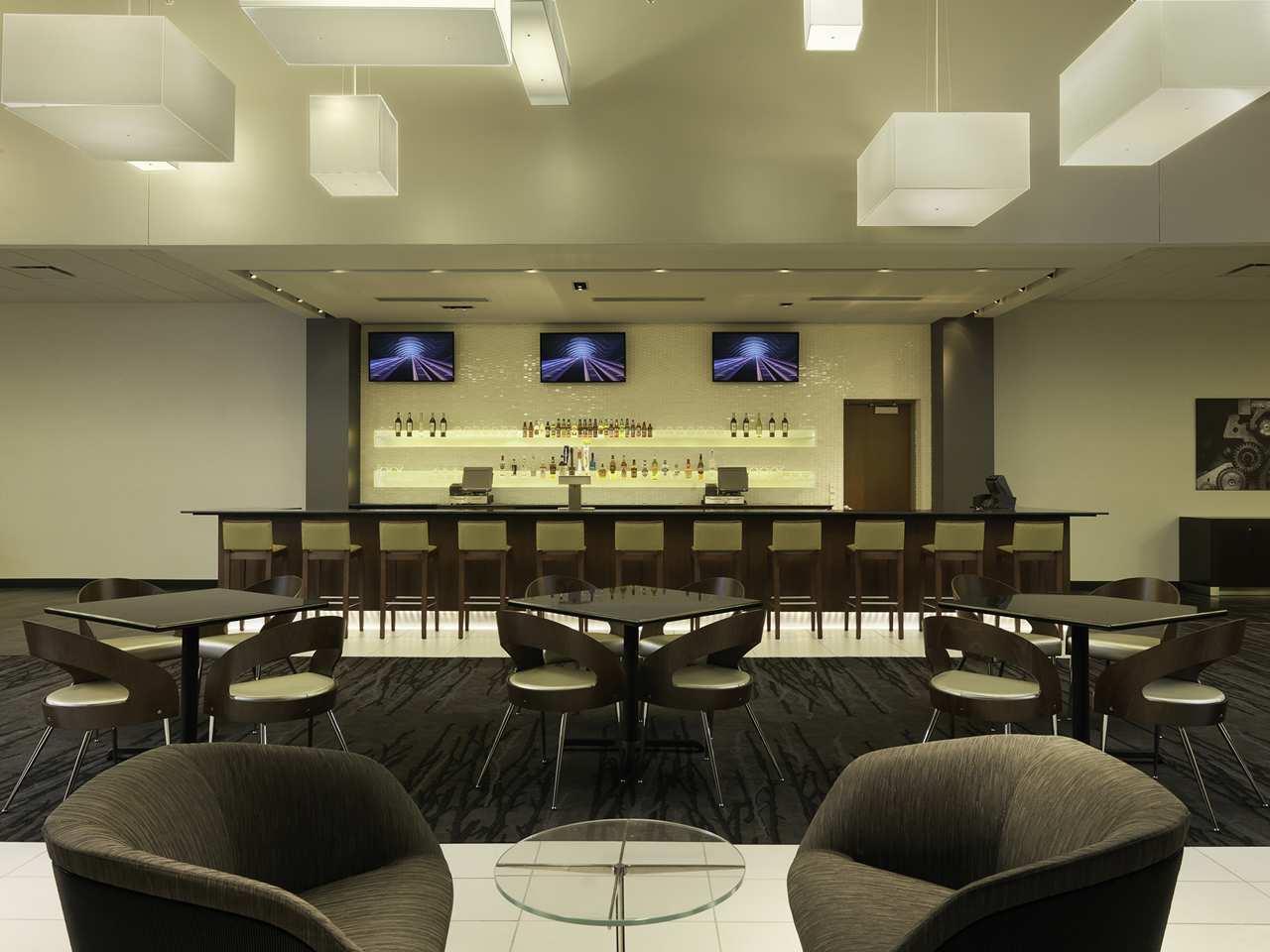DoubleTree by Hilton Hotel Cedar Rapids Convention Complex image 26