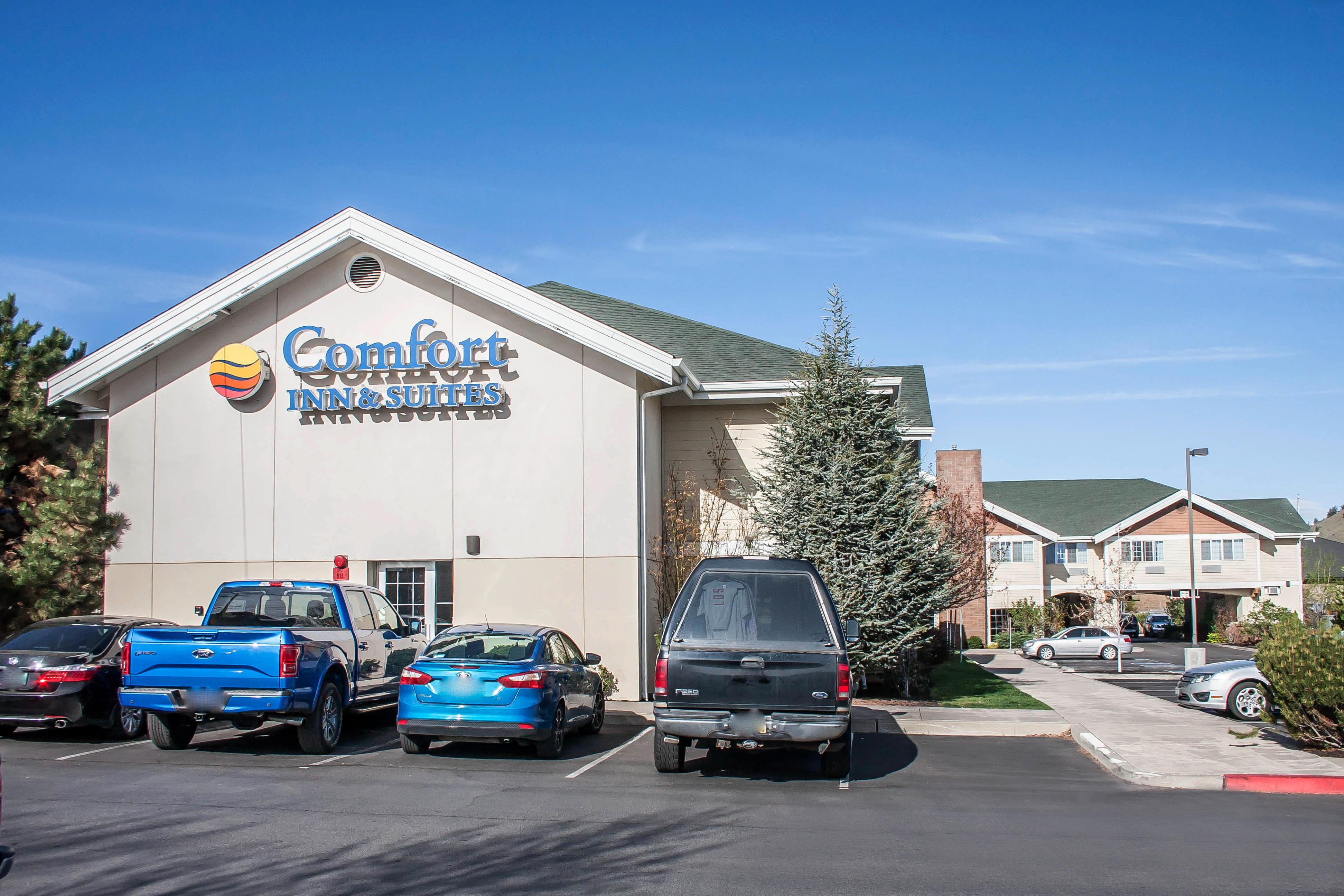 Hotel in OR Bend 97701 Comfort Inn & Suites 62065 SE 27th Street  (541)617-9696
