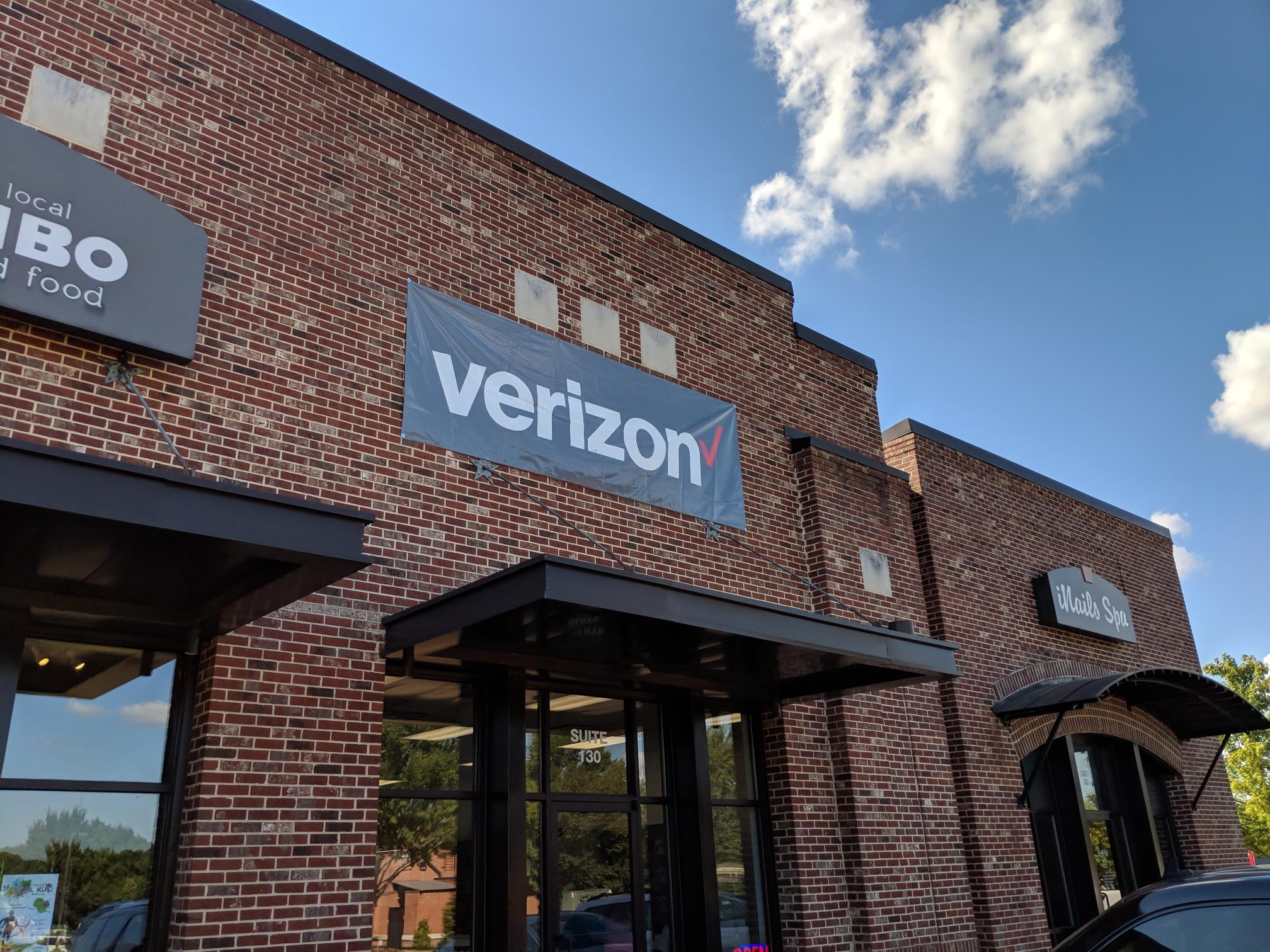Verizon Authorized Retailer - Wireless Zone image 2
