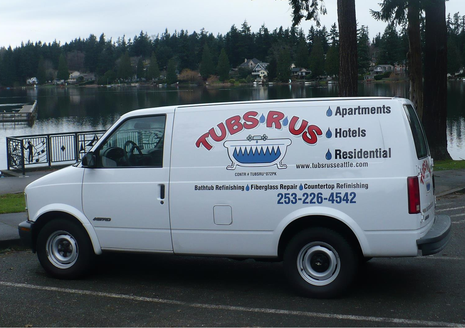 Tubs-R-US image 0