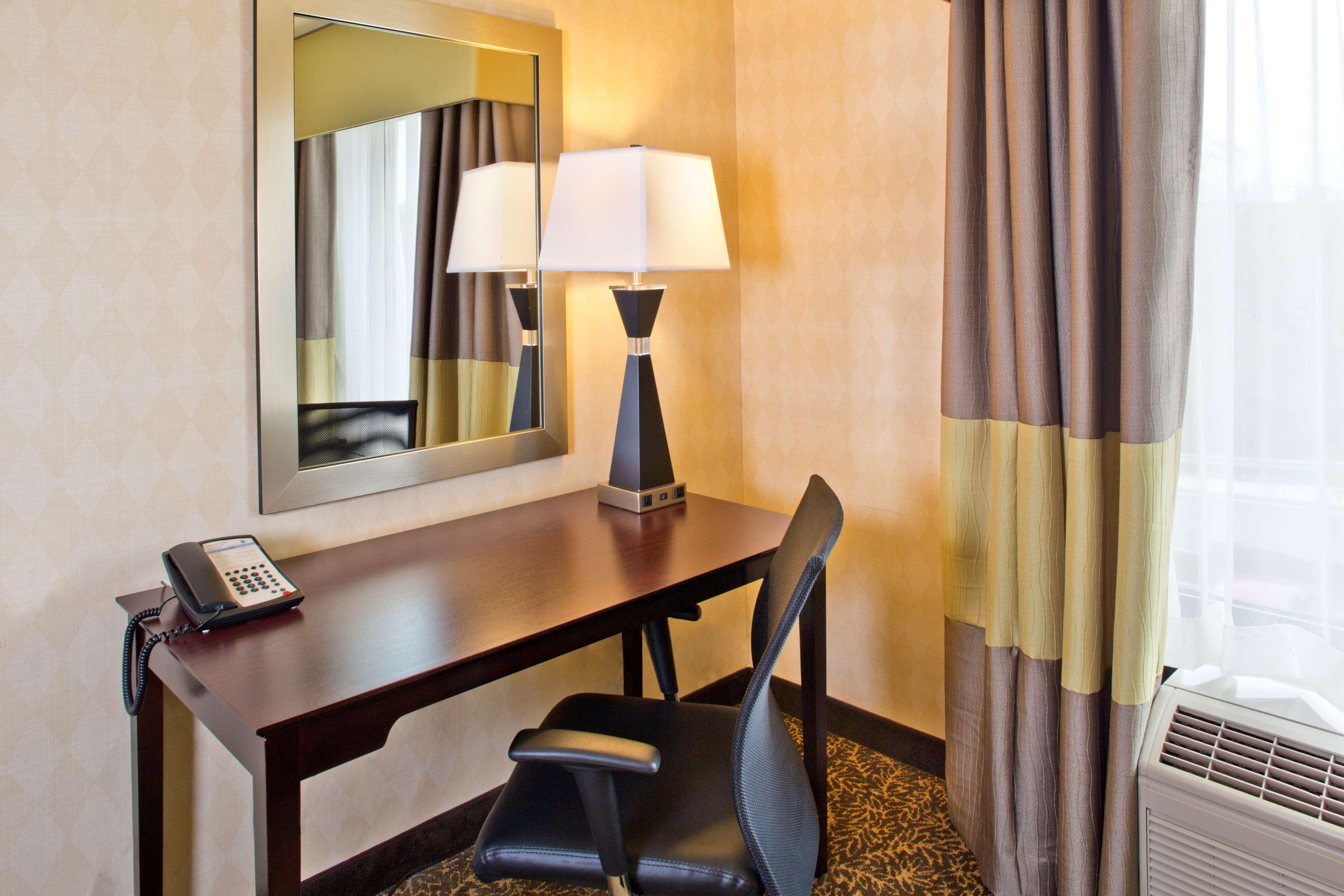 Hampton Inn & Suites Arundel Mills/Baltimore image 14