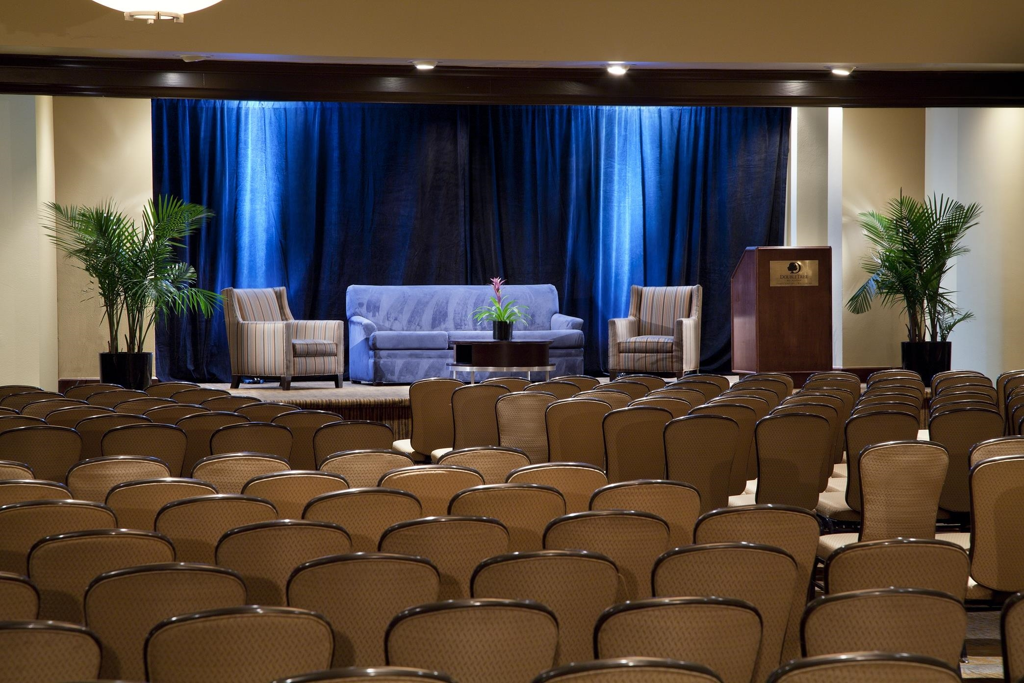 DoubleTree by Hilton Hotel Tampa Airport - Westshore image 10
