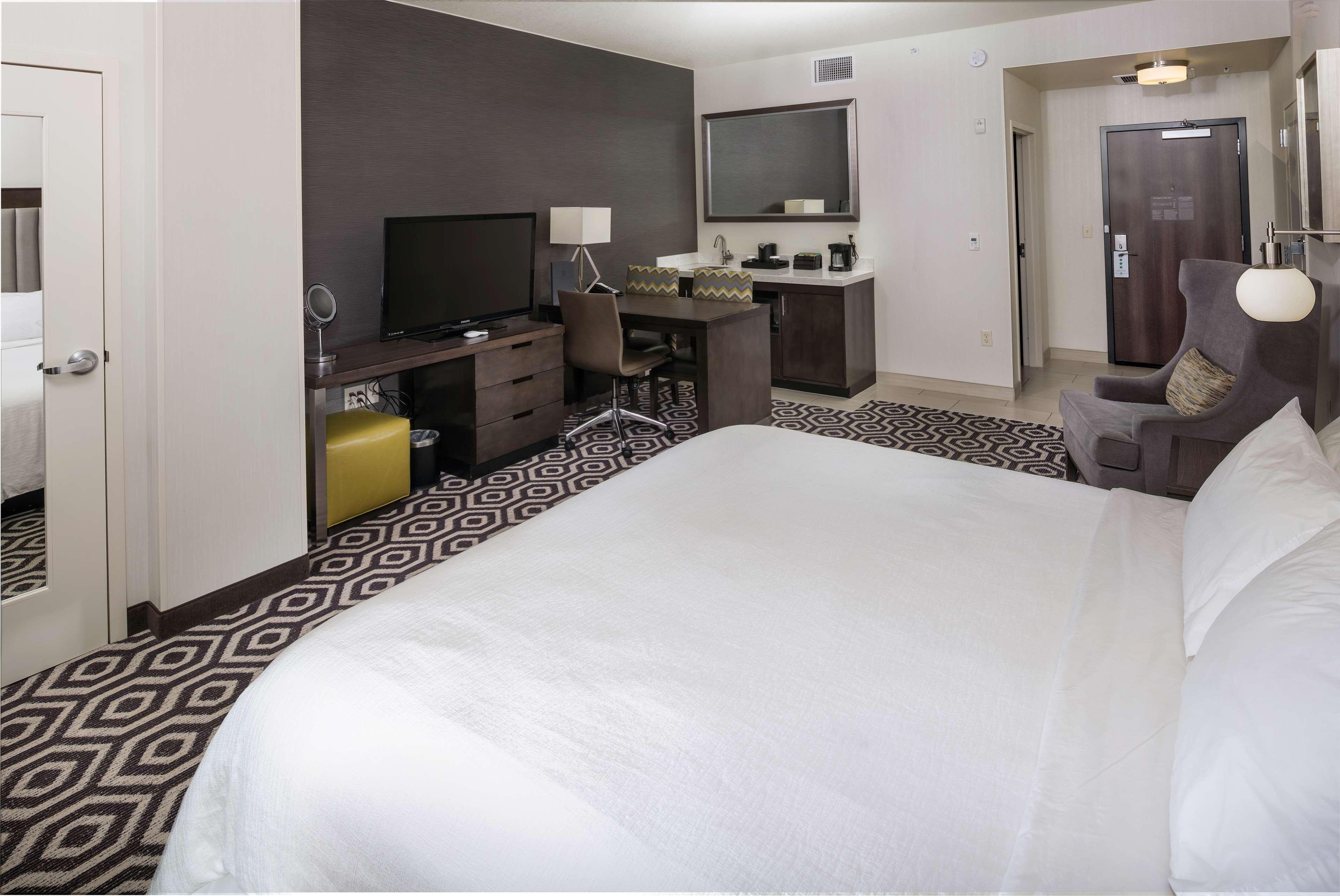 Embassy Suites by Hilton Portland Hillsboro, Oregon image 18