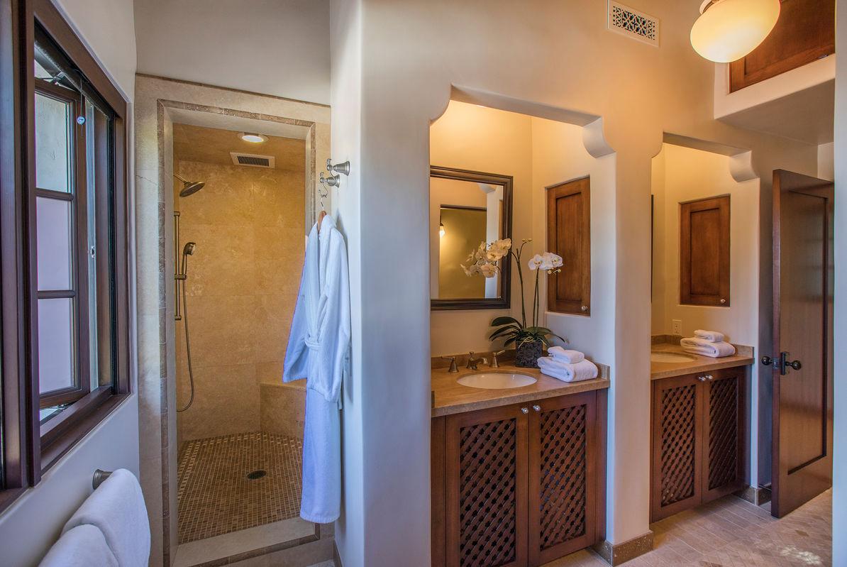Paradise Retreats Property Management image 23