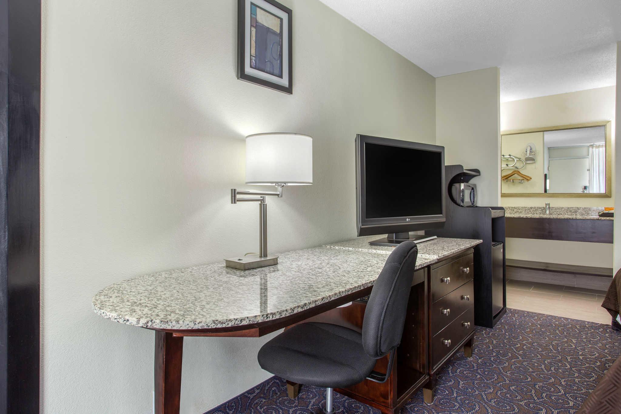Clarion Inn & Suites image 11