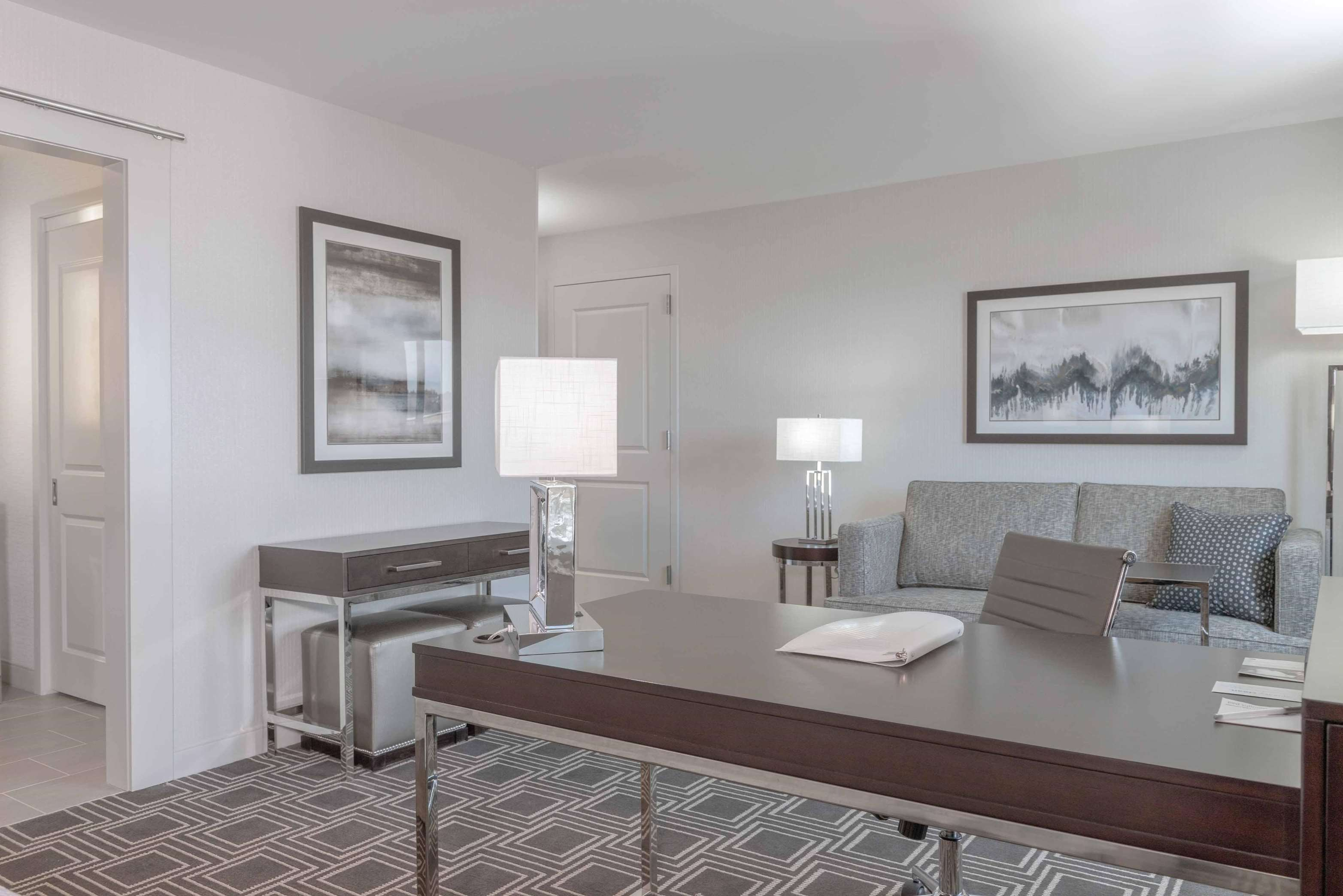 Hampton Inn & Suites Worcester image 28
