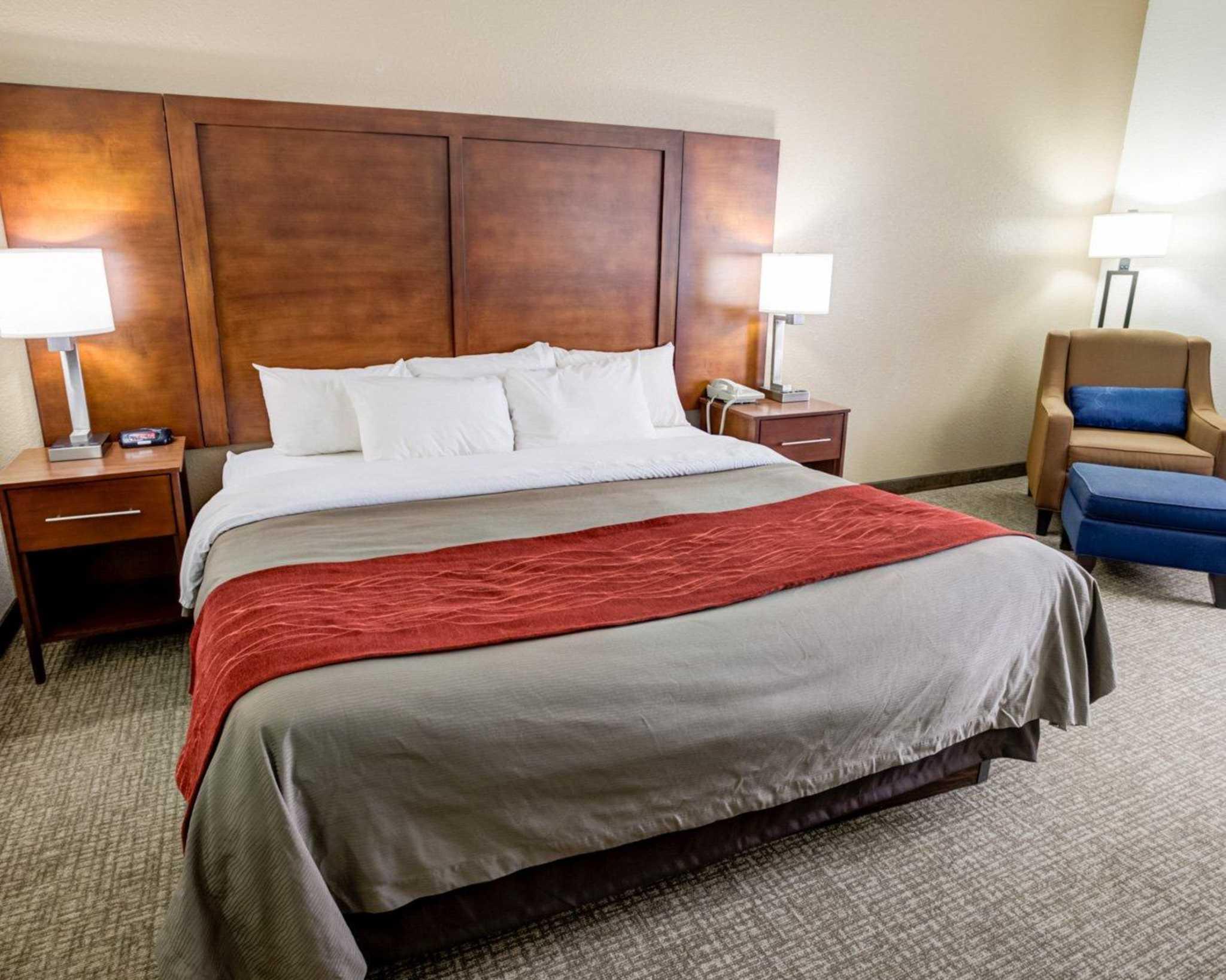 Comfort Inn Kearney - Liberty image 5