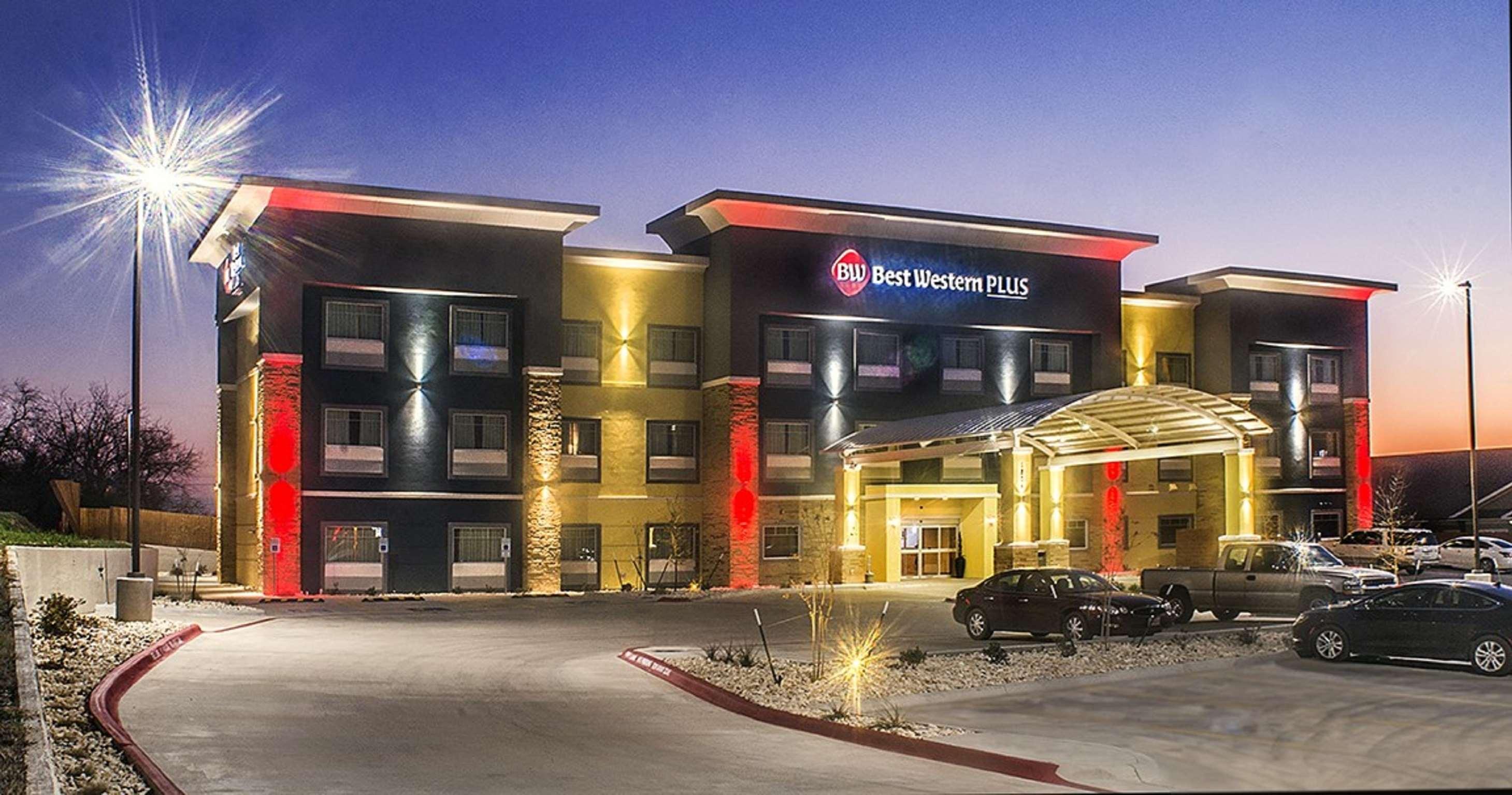 Best Western Plus Lampasas Inn & Suites image 1