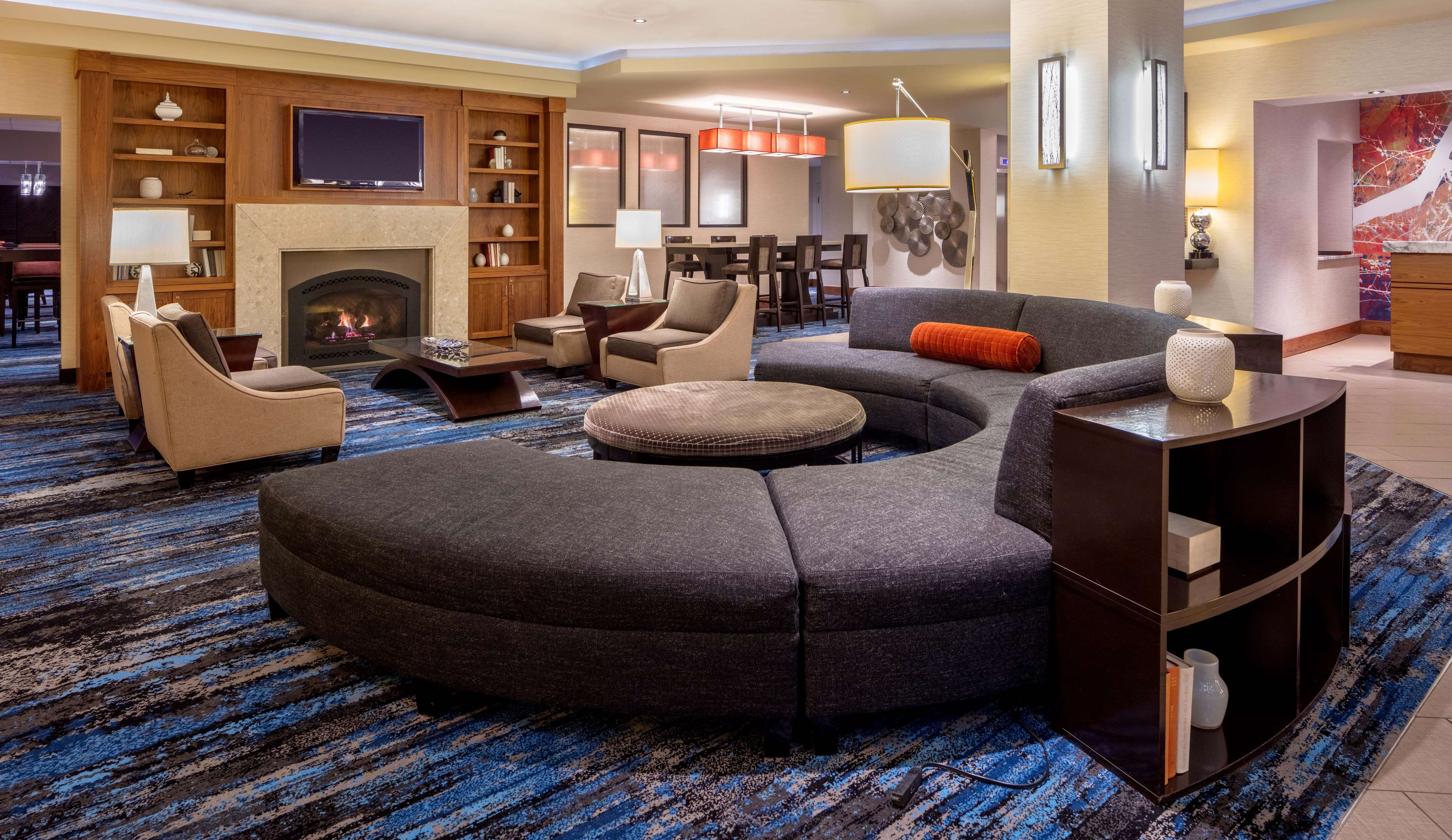 DoubleTree Suites by Hilton Hotel Minneapolis image 3